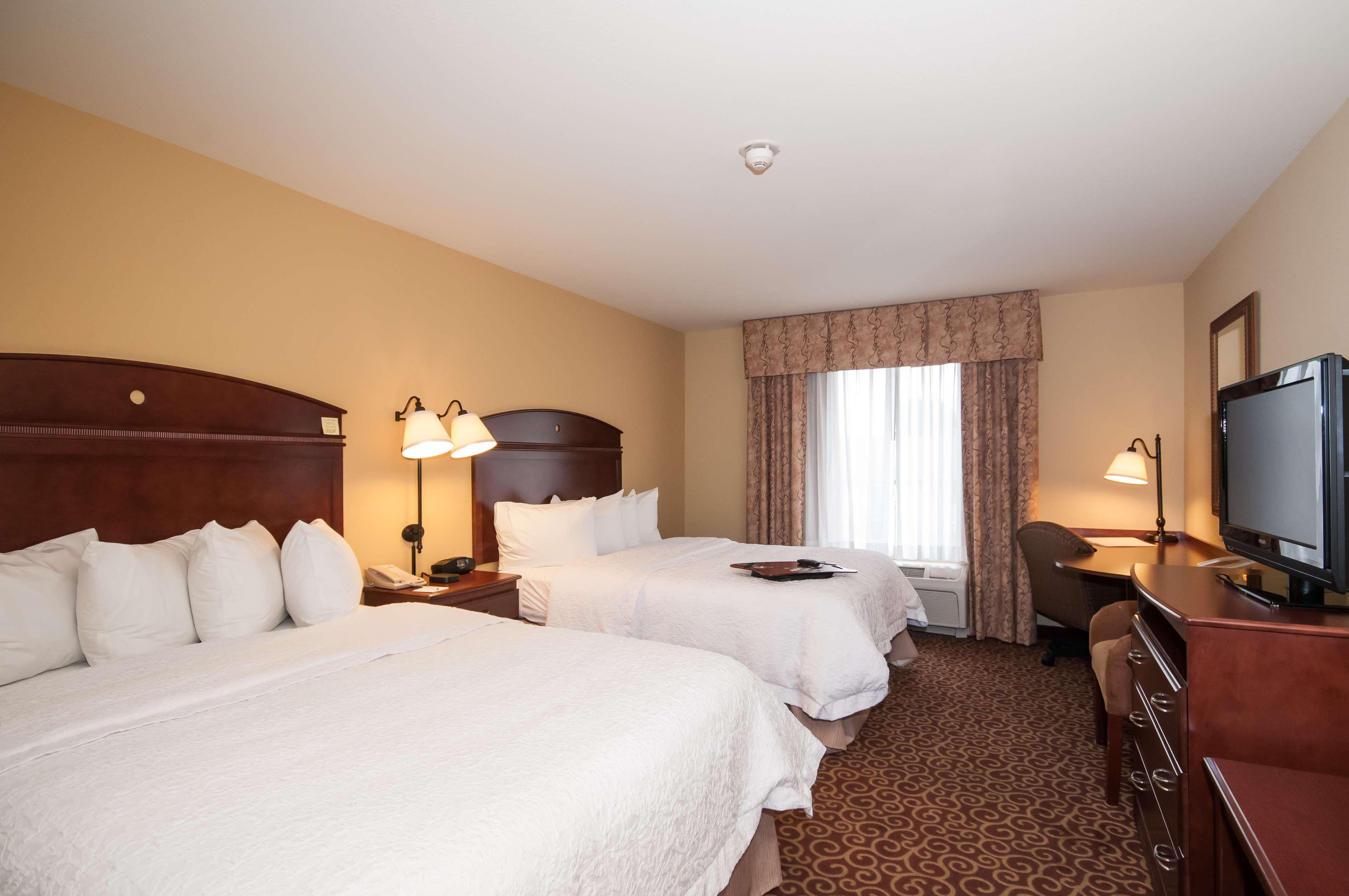 Hampton Inn & Suites Rochester-North image 30