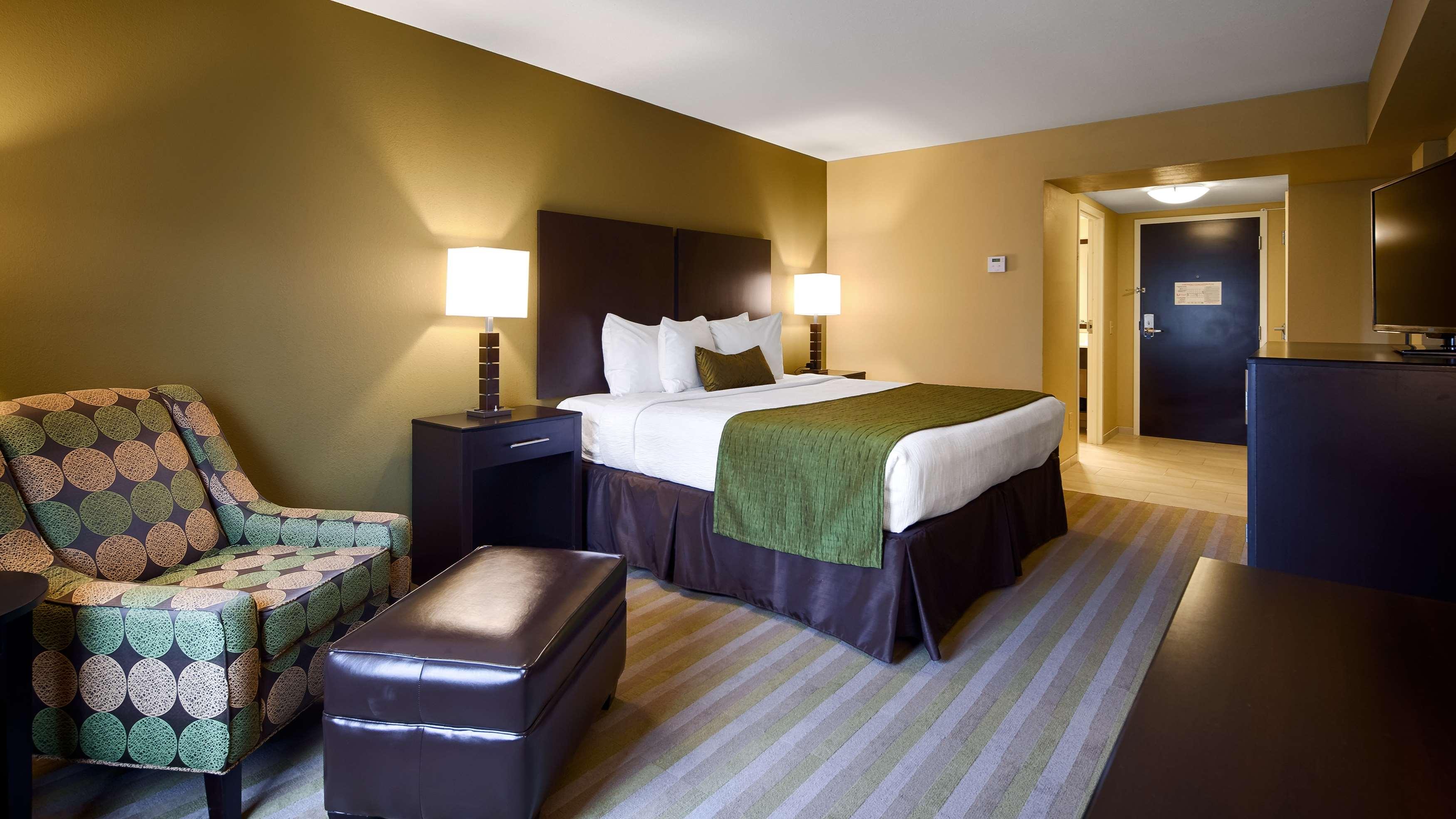 Best Western Plus Thornburg Inn & Suites image 21