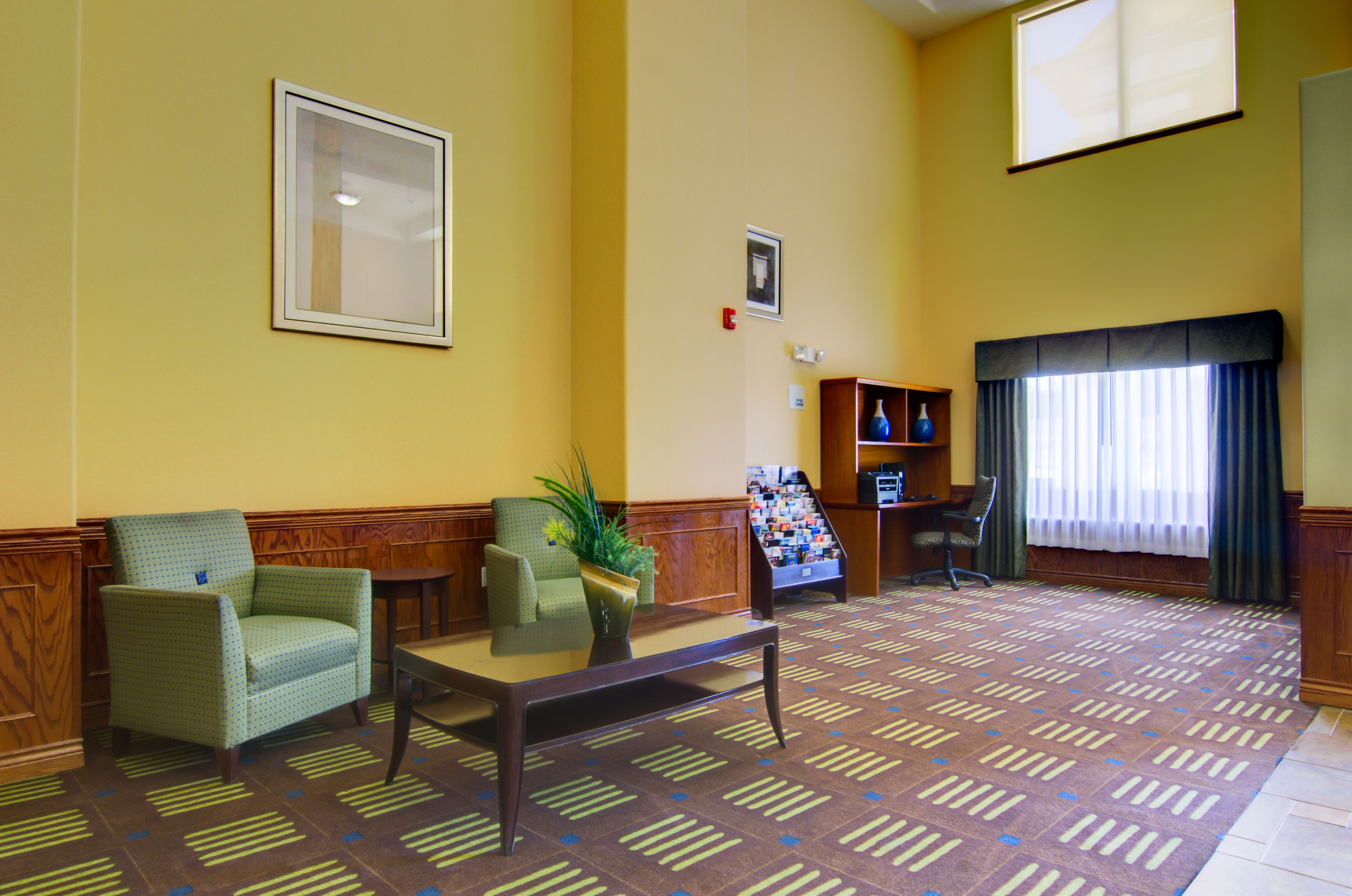 Holiday Inn Express & Suites Kansas City Sport Complex Area image 7