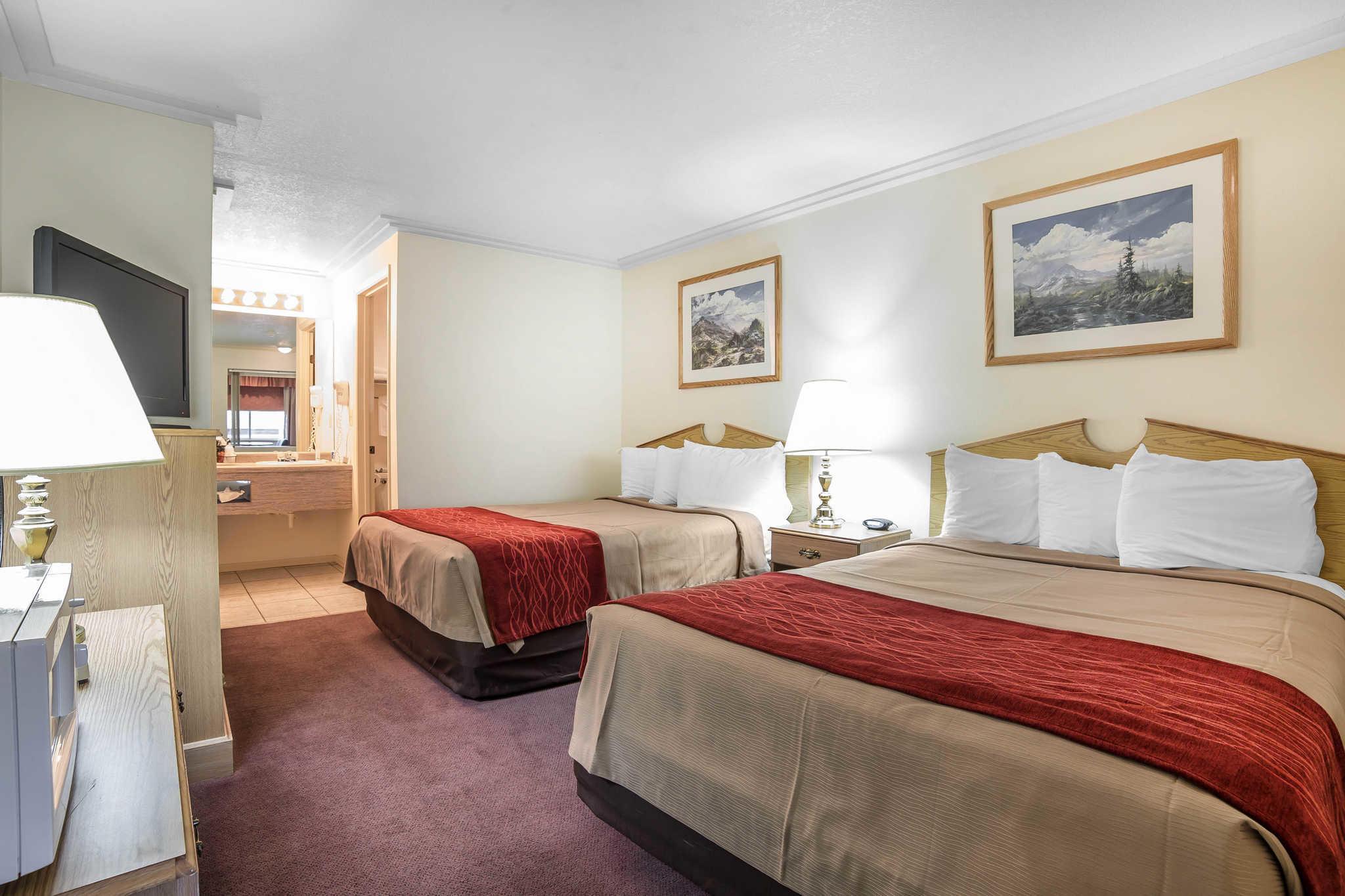 Rodeway Inn Pronghorn Lodge image 11