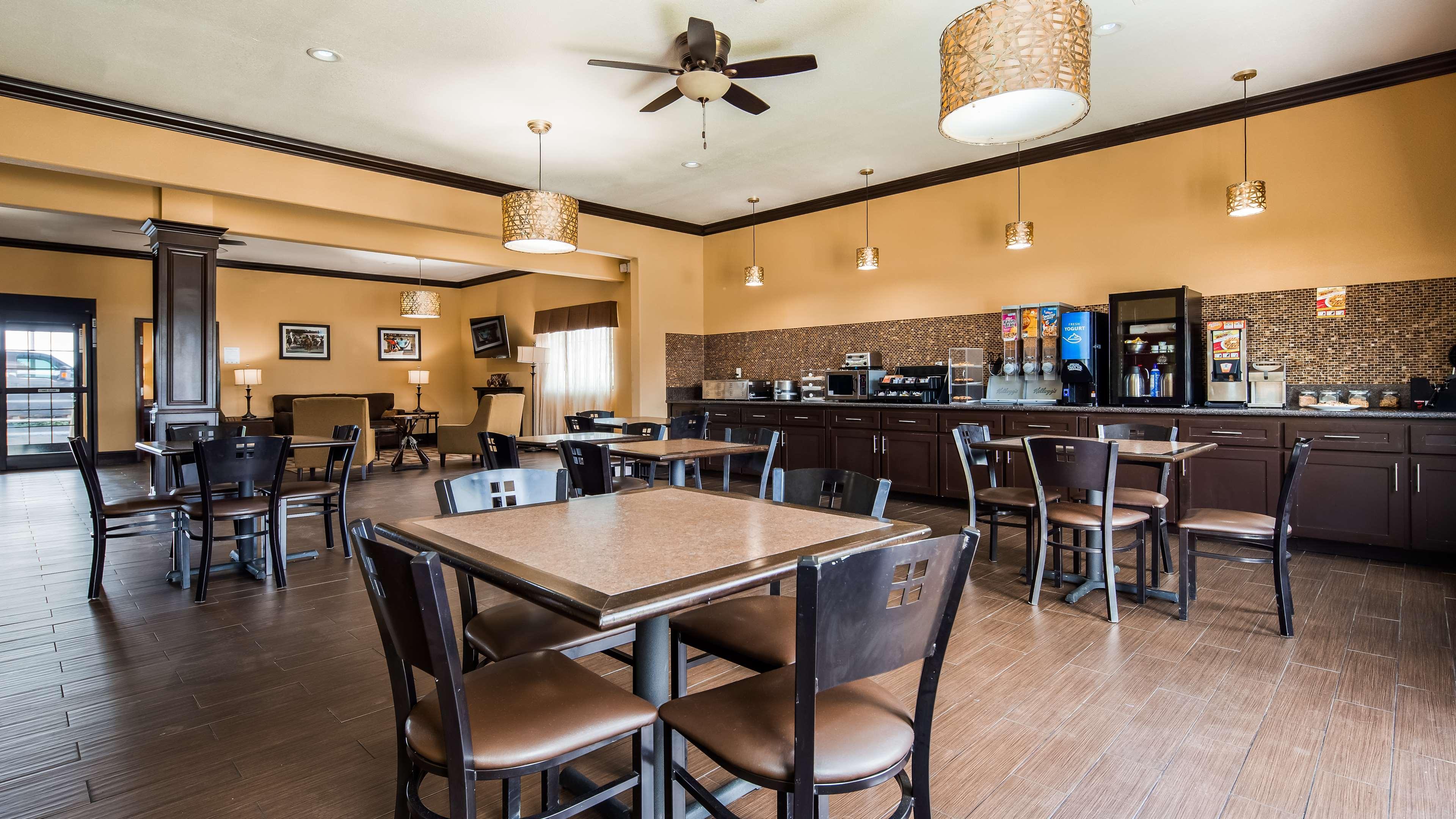 Best Western Trail Dust Inn & Suites image 10