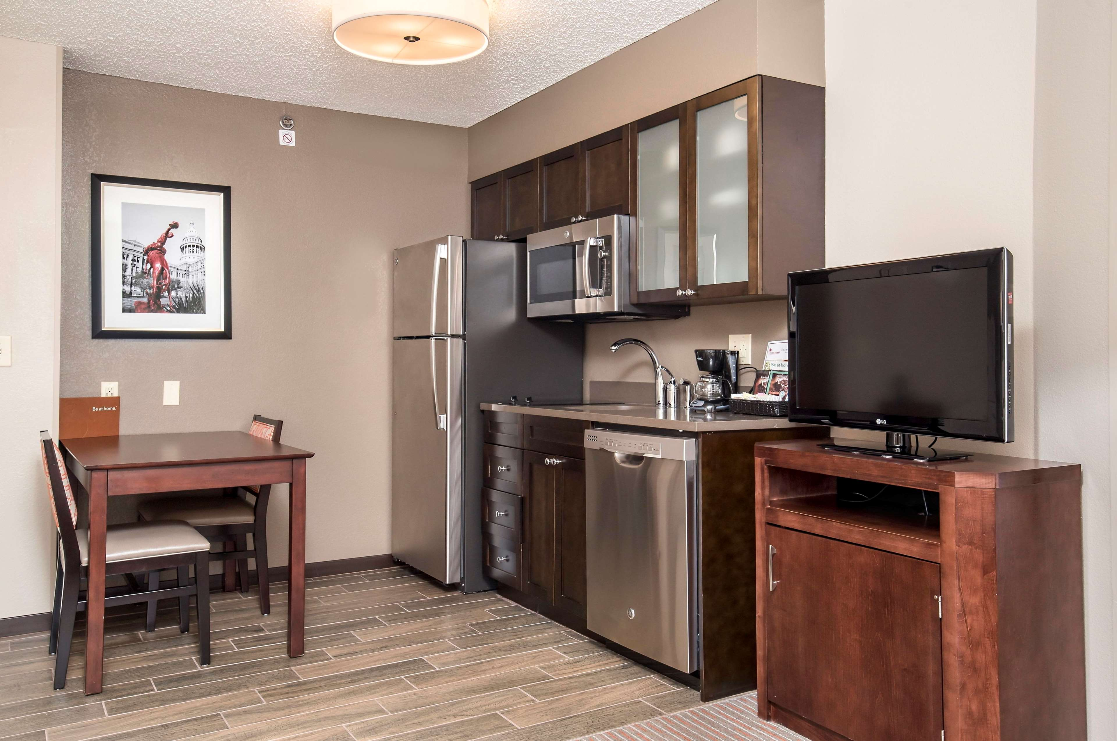 Homewood Suites by Hilton Austin-South/Airport image 12