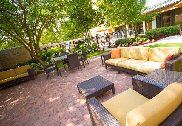 Courtyard by Marriott New Orleans Metairie image 3