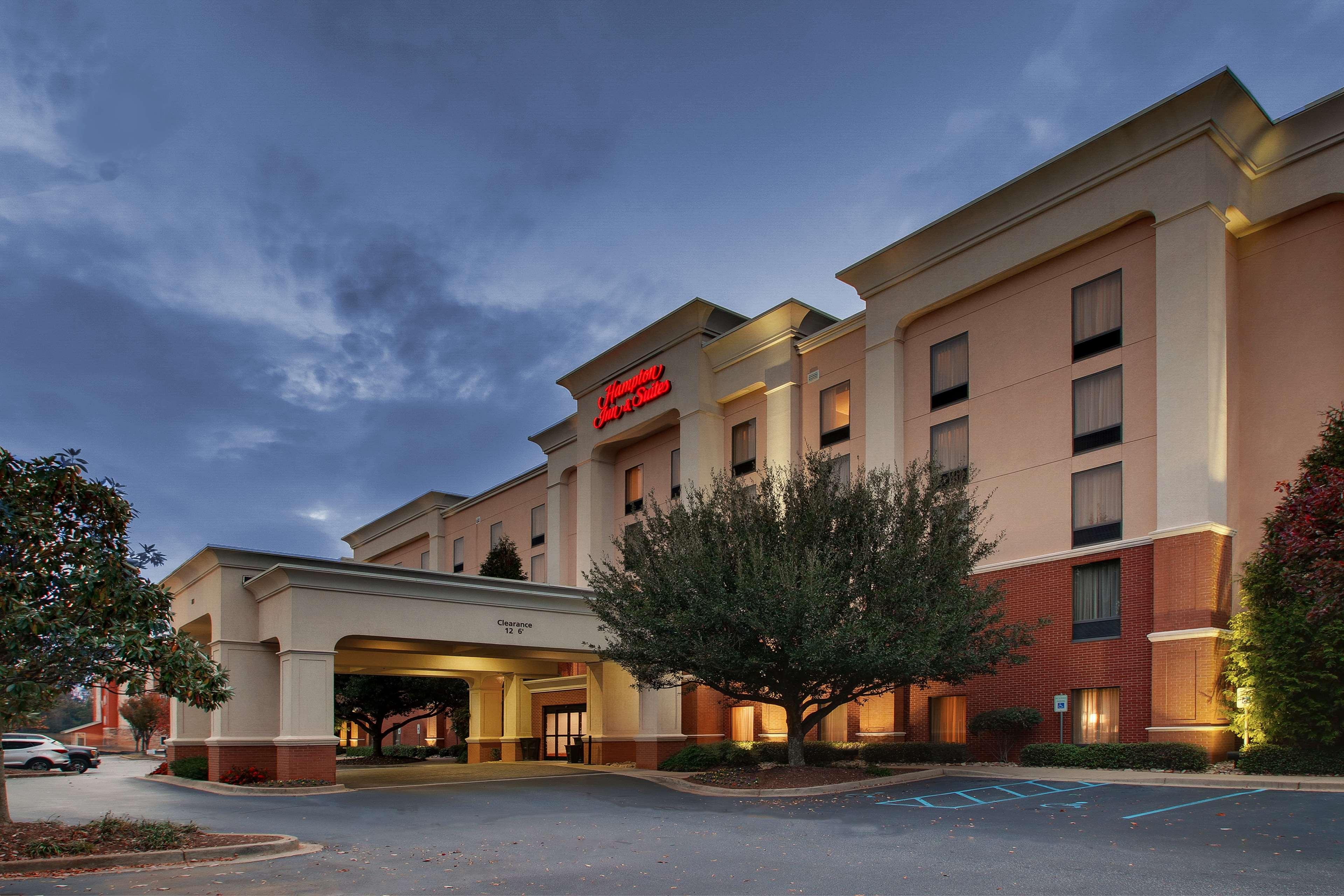 Hampton Inn & Suites Spartanburg-I-26-Westgate Mall image 0