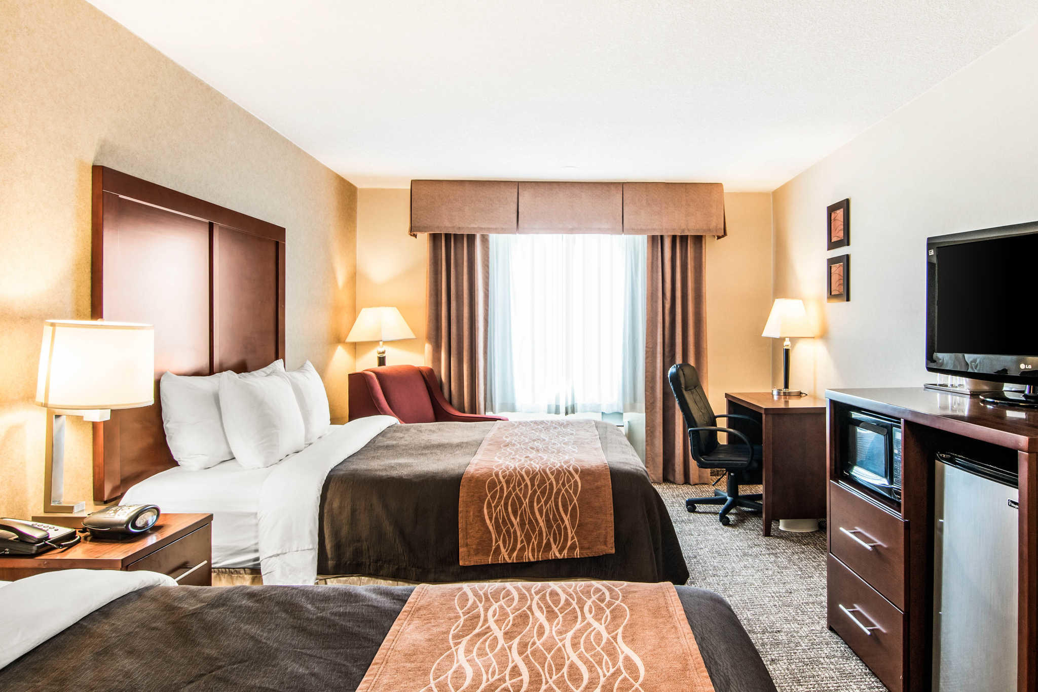 Comfort Inn & Suites image 18