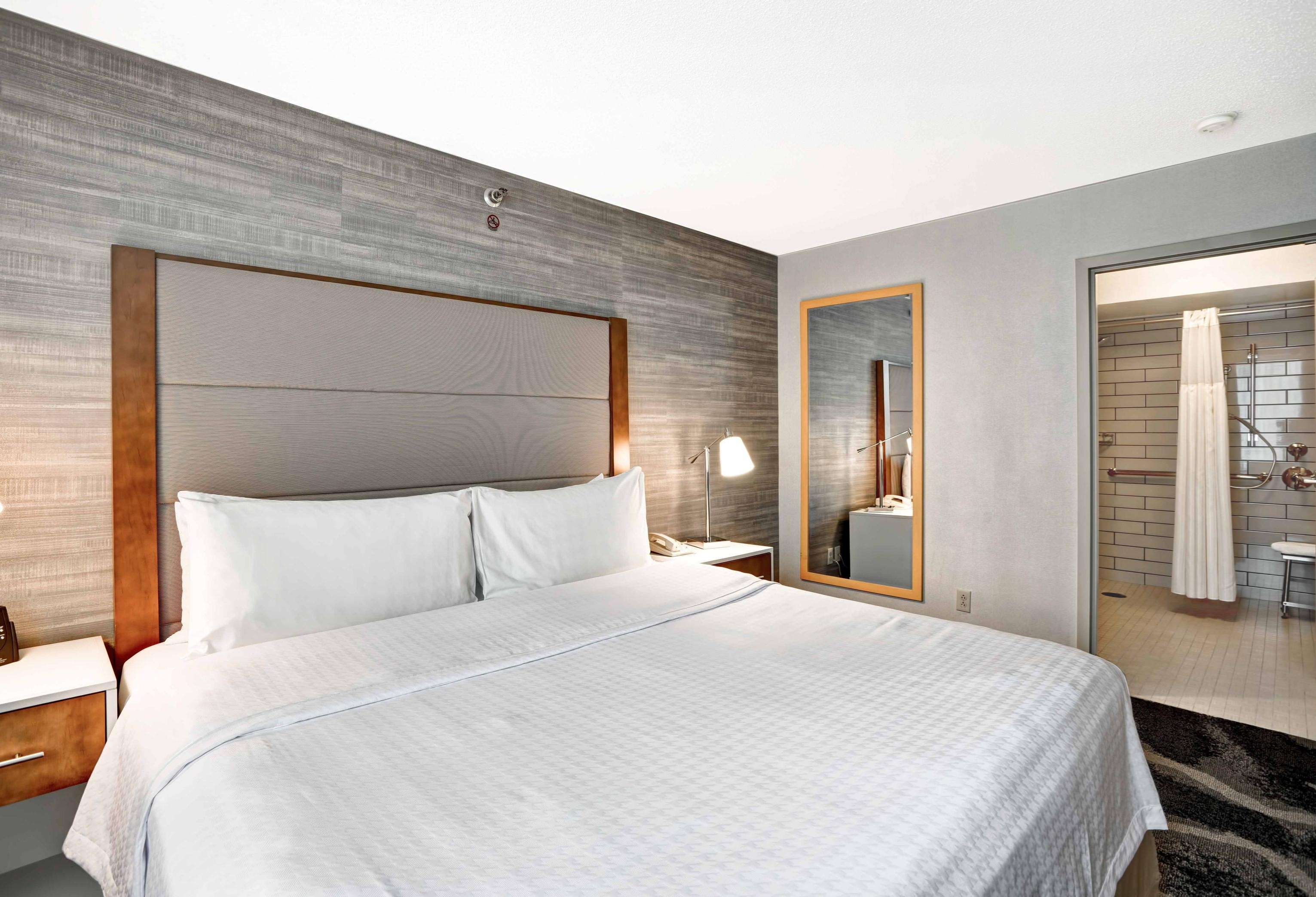 Homewood Suites by Hilton Chicago-Downtown image 32
