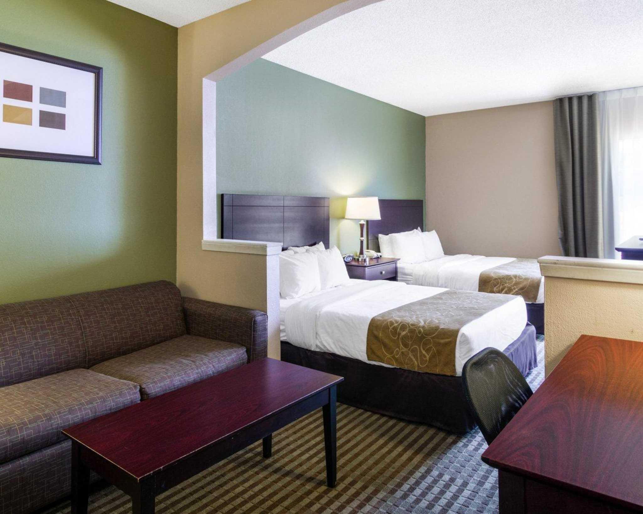 Comfort Suites Las Colinas Center image 28