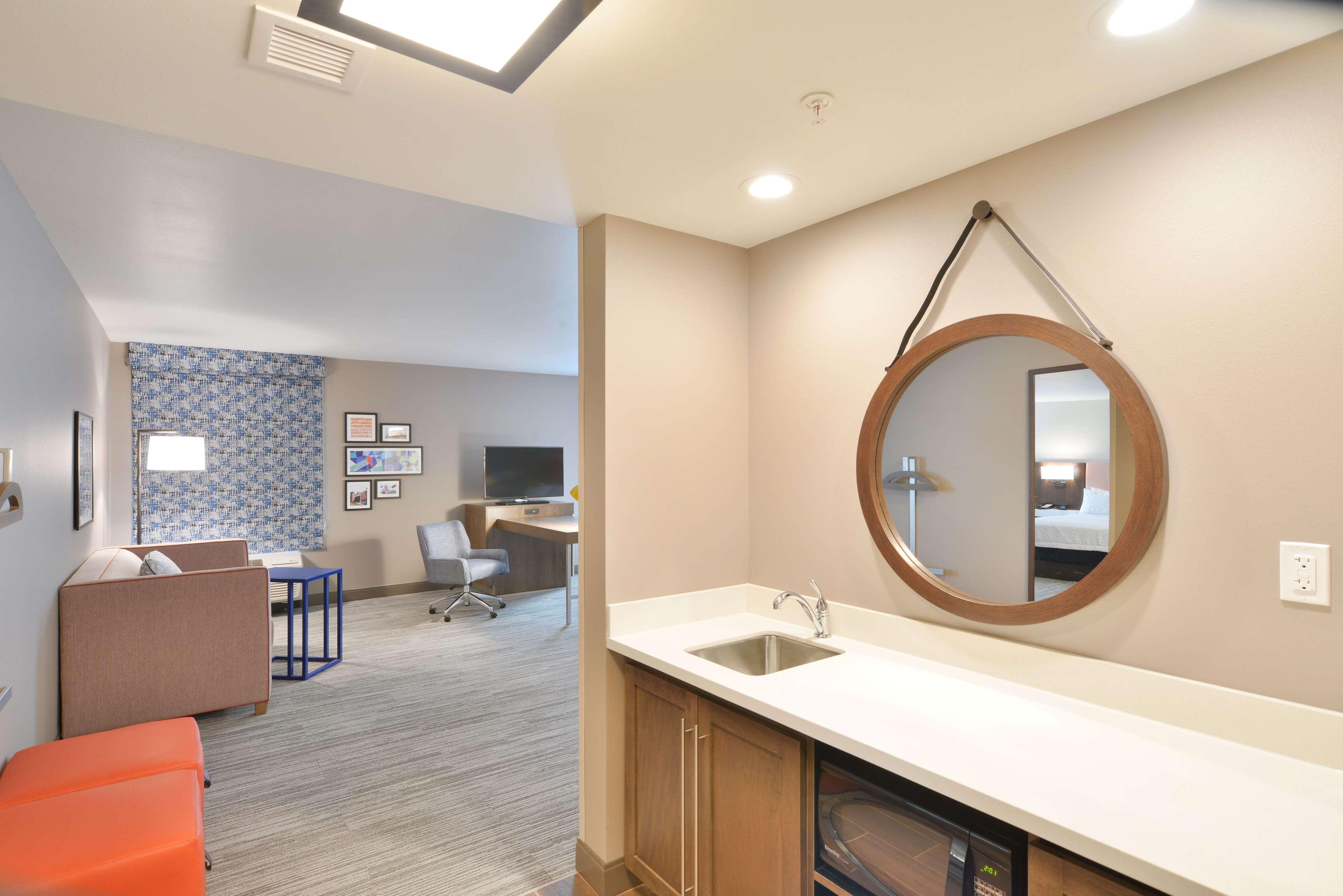Hampton Inn & Suites Menomonie-UW Stout image 5
