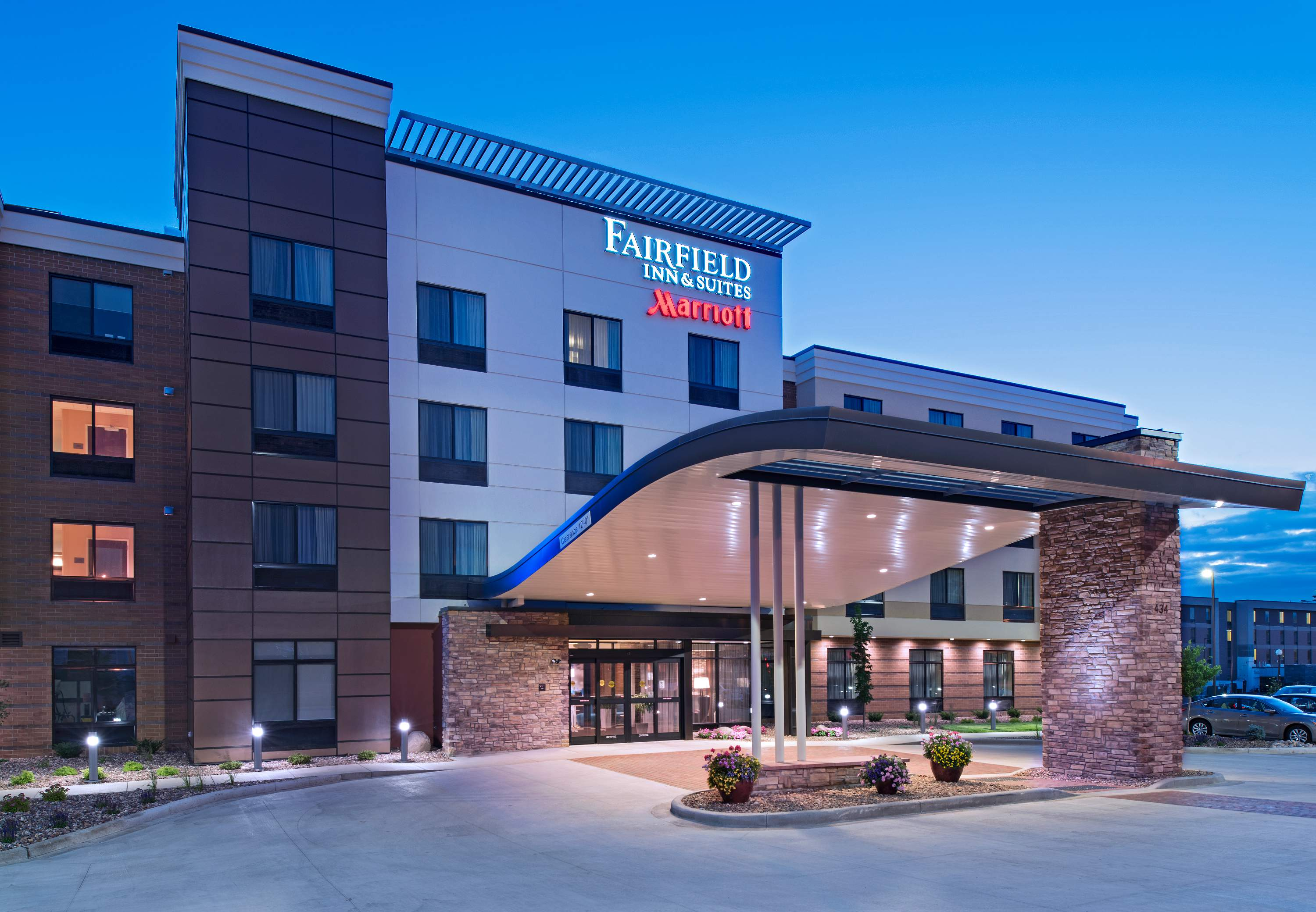 Fairfield Inn & Suites by Marriott La Crosse Downtown image 1