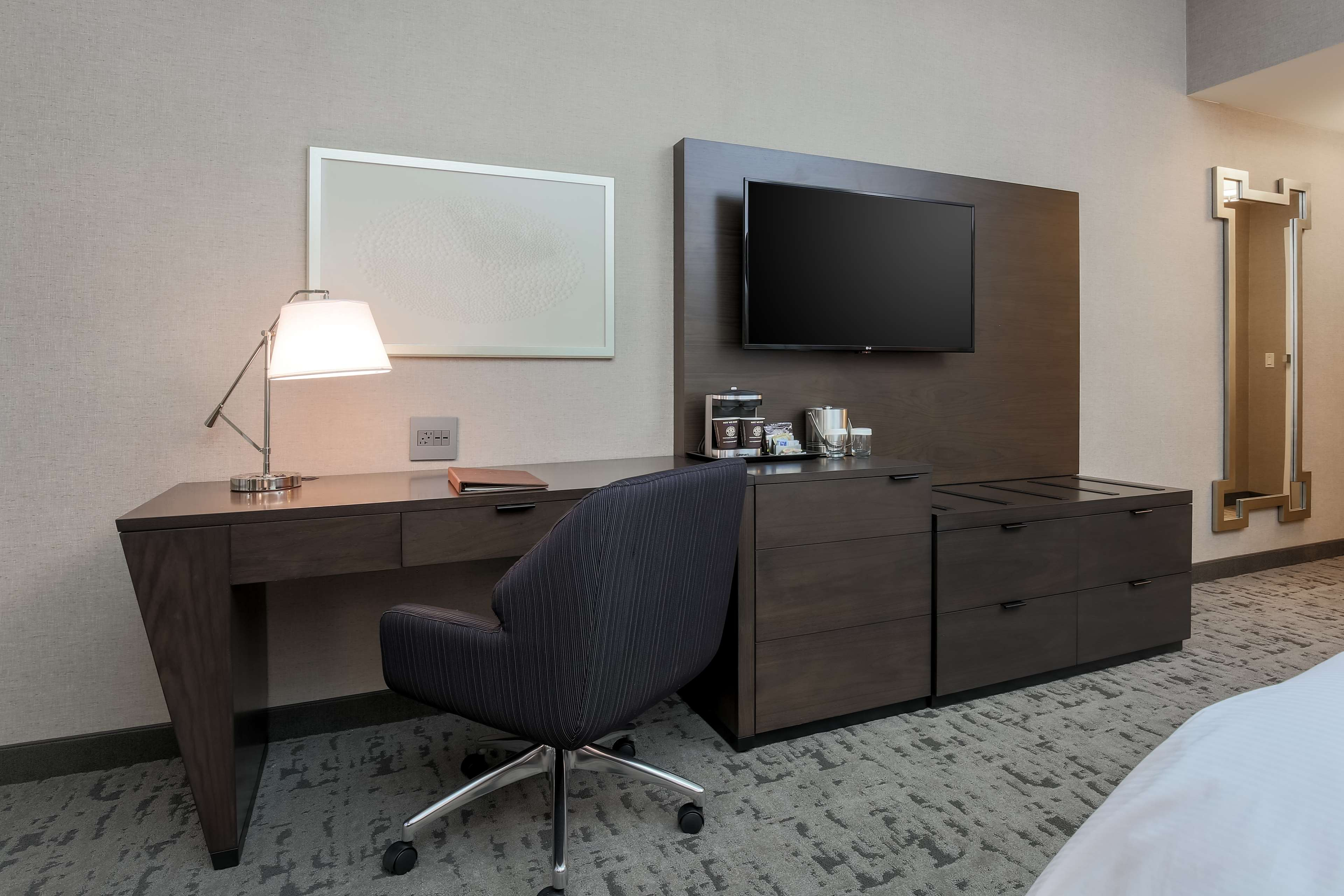 DoubleTree by Hilton Evansville image 33