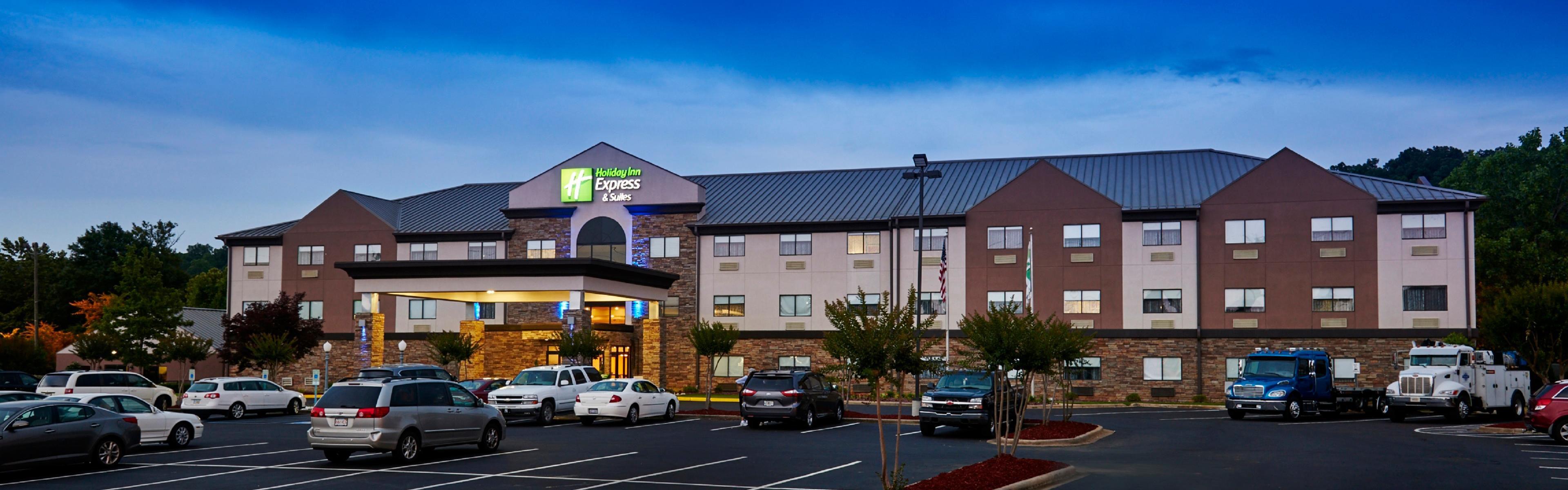 Holiday Inn Express & Suites Birmingham South - Pelham image 0