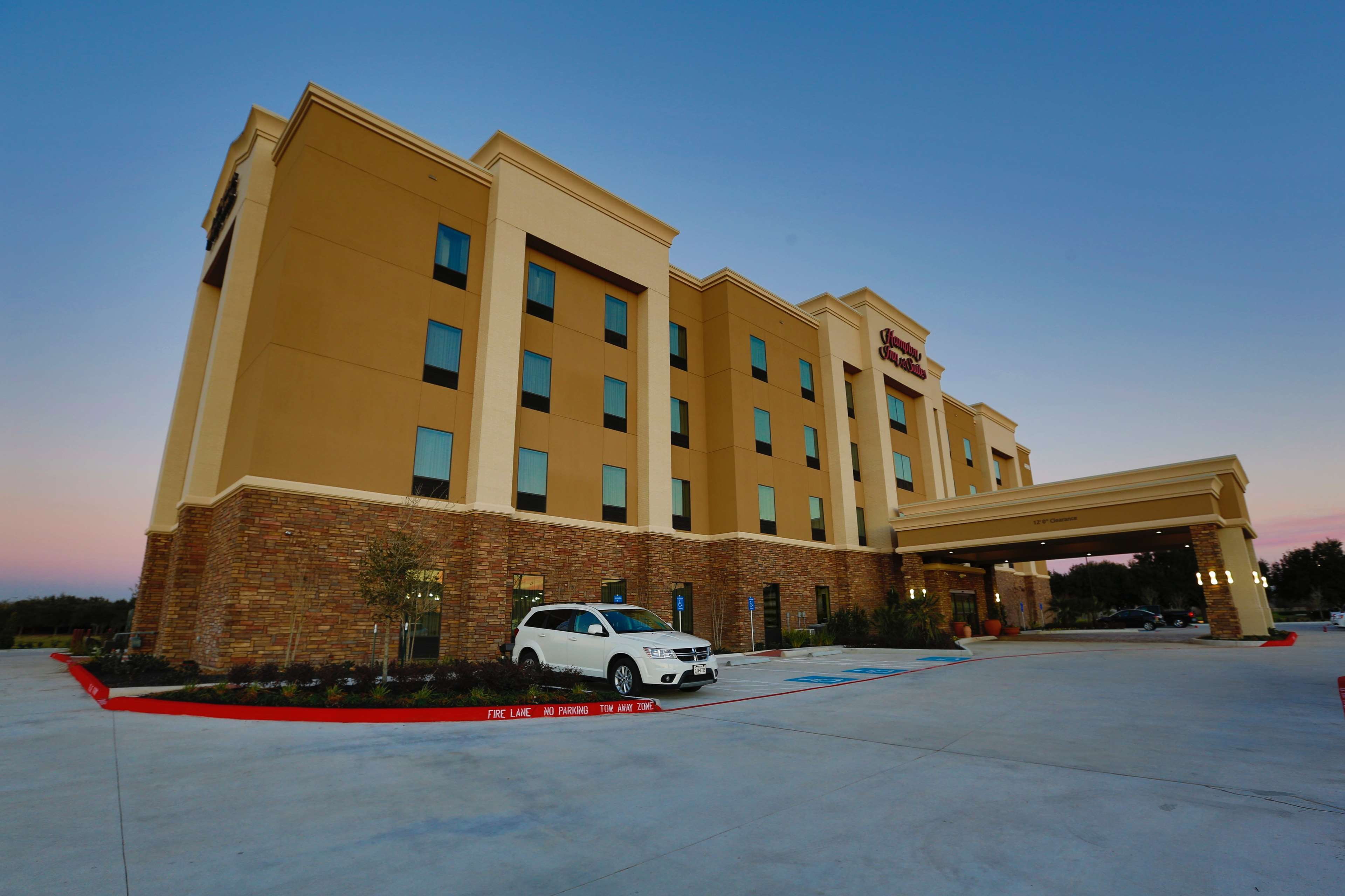 Hampton Inn & Suites Missouri City, TX image 1
