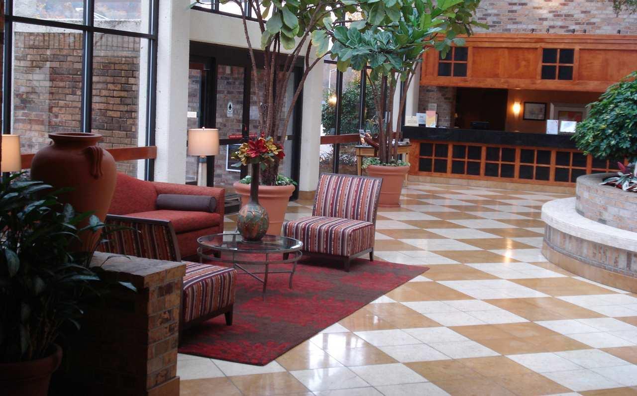 DoubleTree by Hilton Hotel Oak Ridge - Knoxville image 3