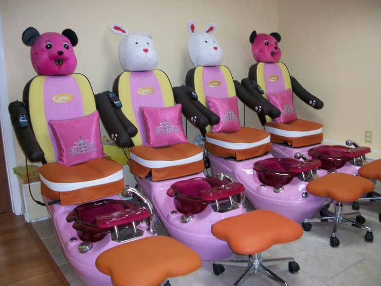 Nails Care And Spa image 5