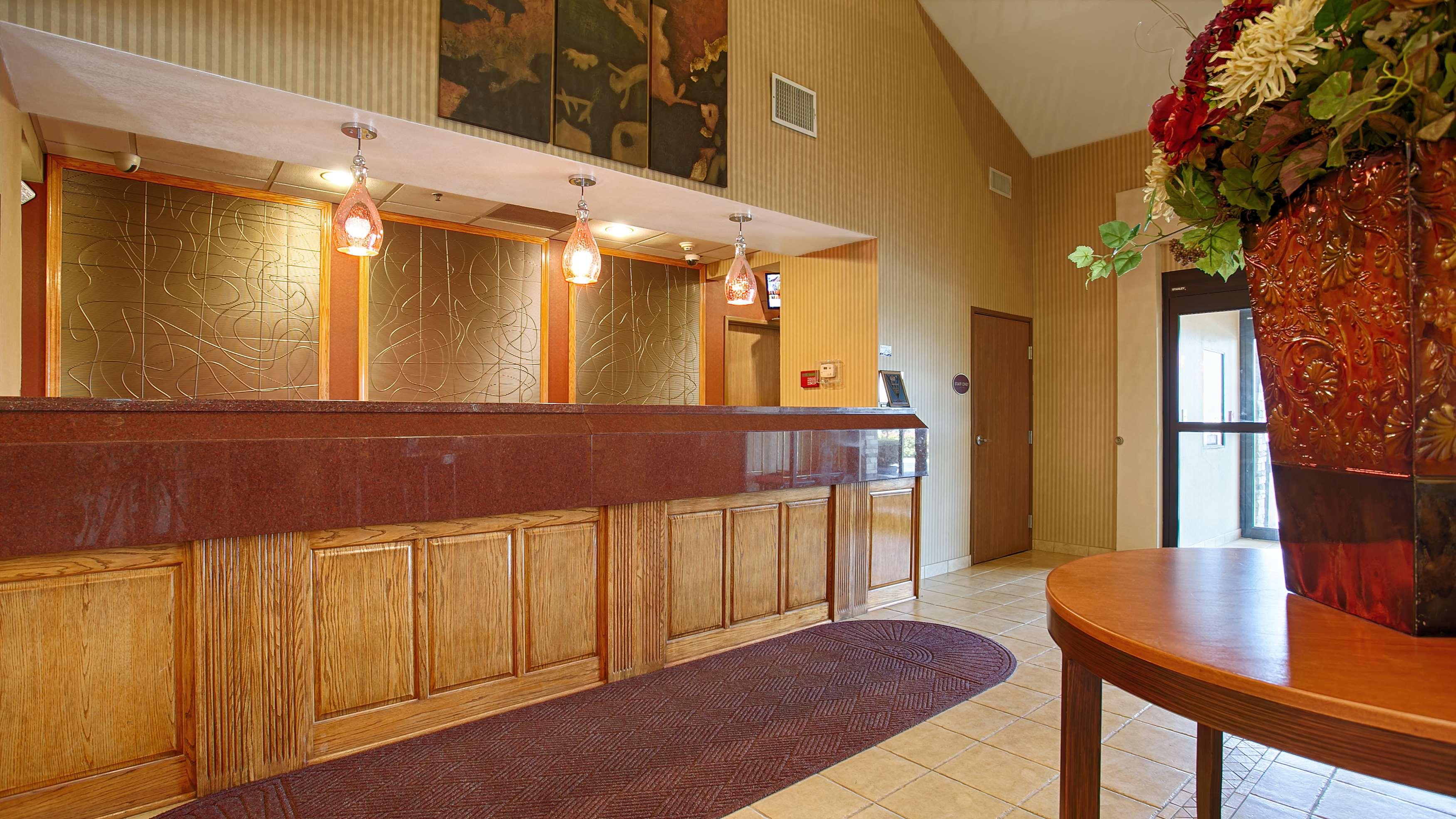 Best Western Plus Woodland Hills Hotel & Suites image 2