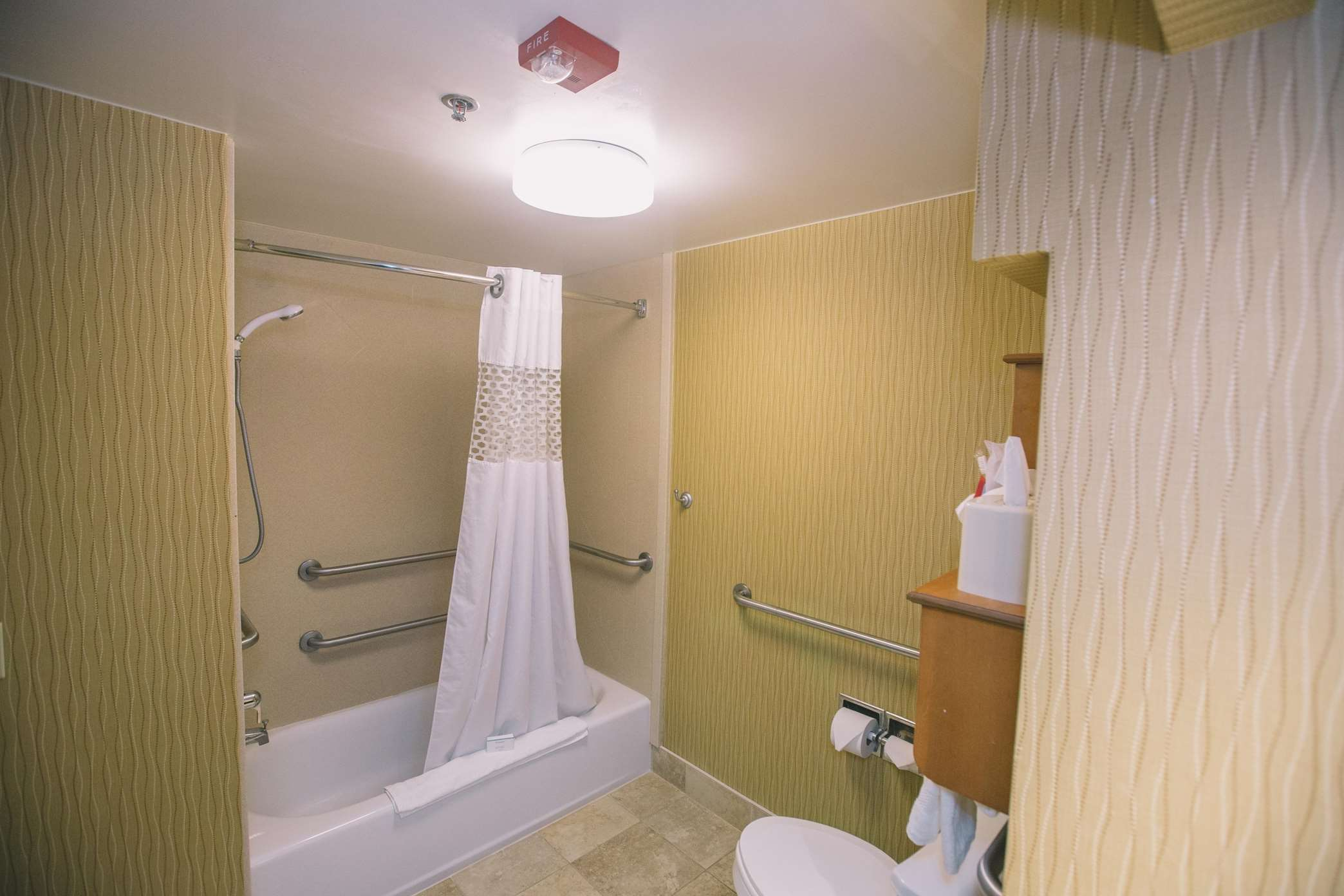 Hampton Inn Tallahassee-Central image 14