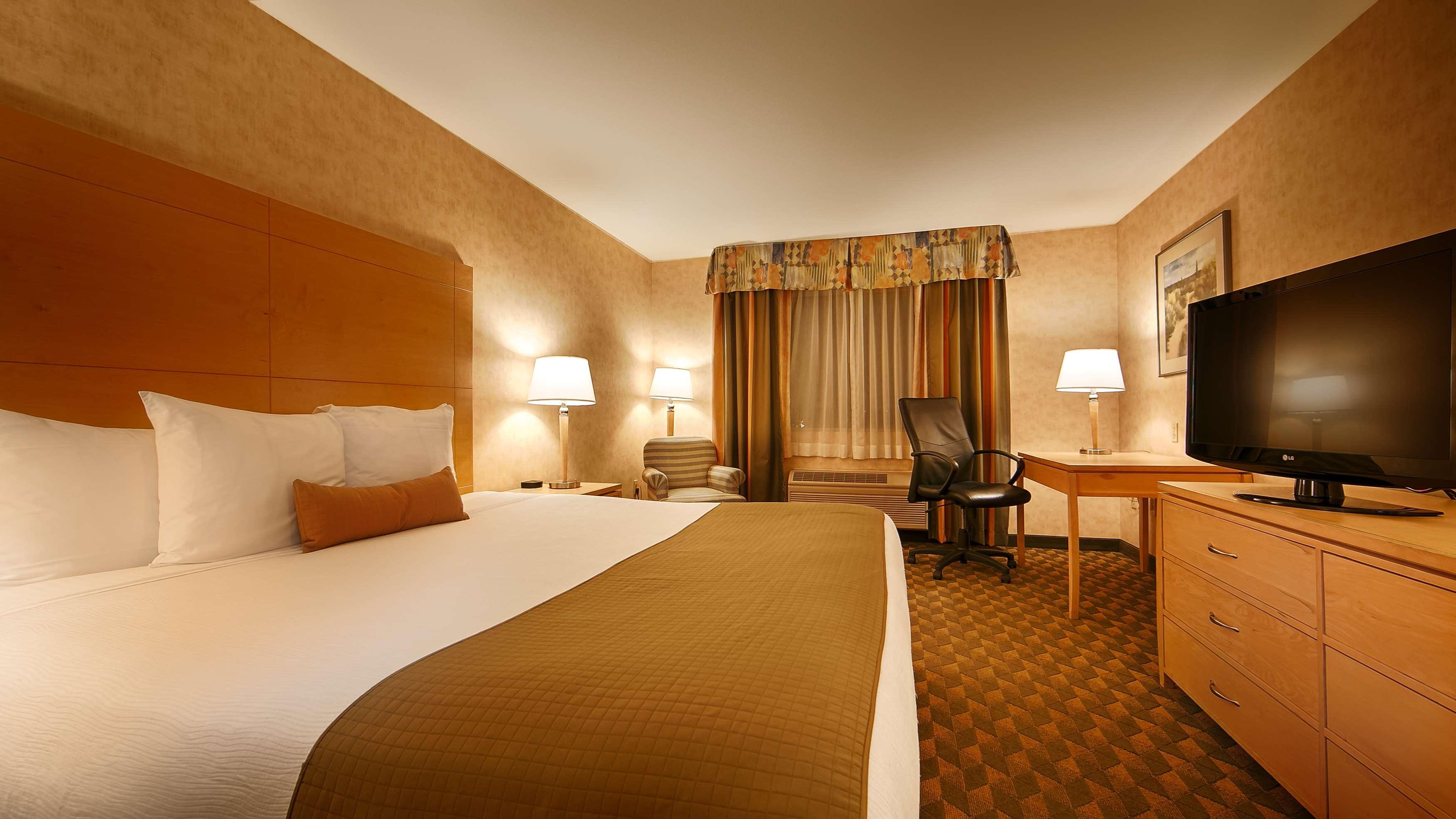 Best Western Plus North Las Vegas Inn & Suites image 27