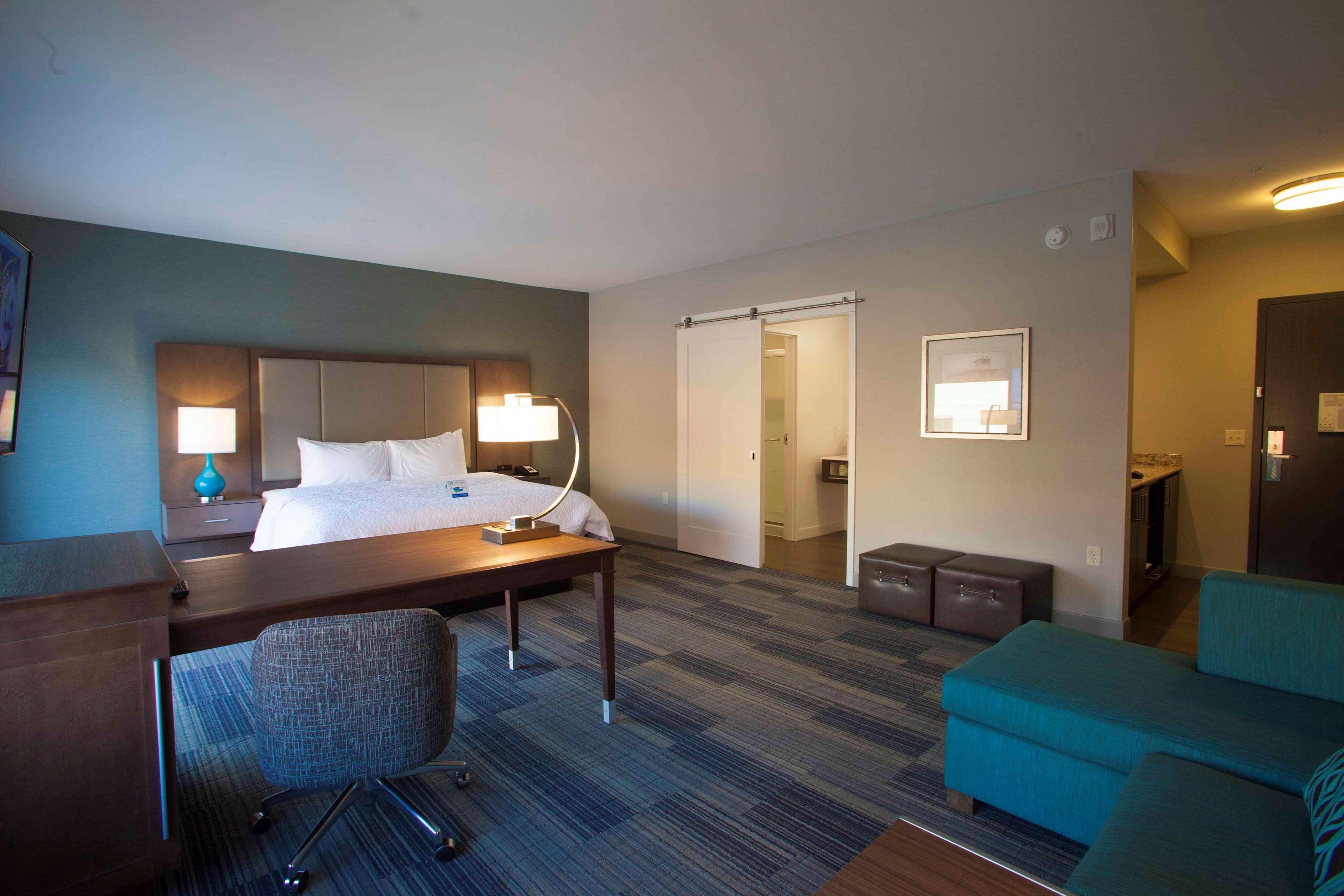 Hampton Inn & Suites Downtown St. Paul image 24