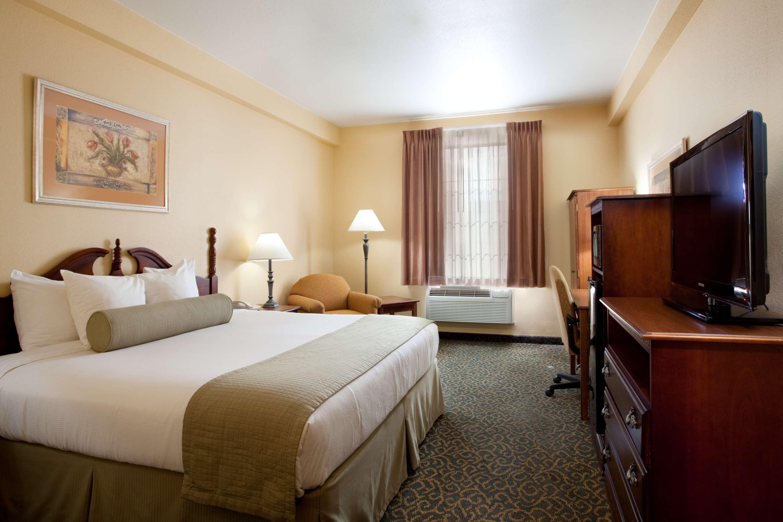 Best Western Plus Executive Hotel & Suites image 4