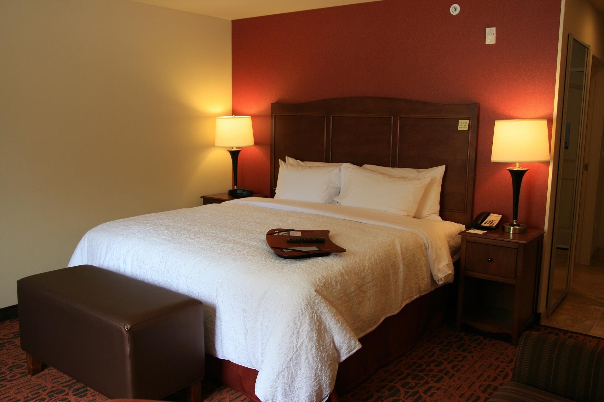 Hampton Inn & Suites Seattle-Airport/28th Ave image 4