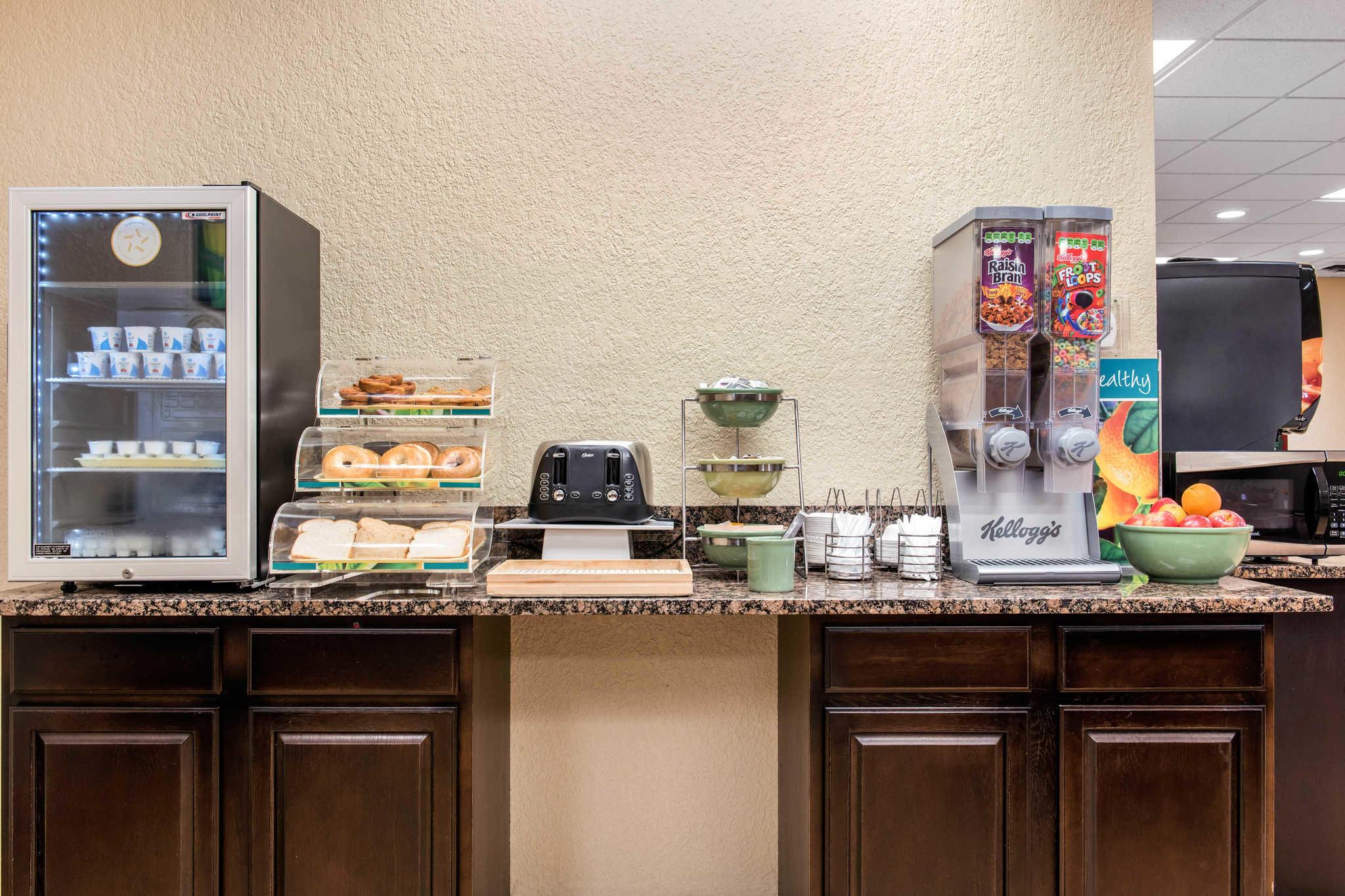 Quality Inn image 32