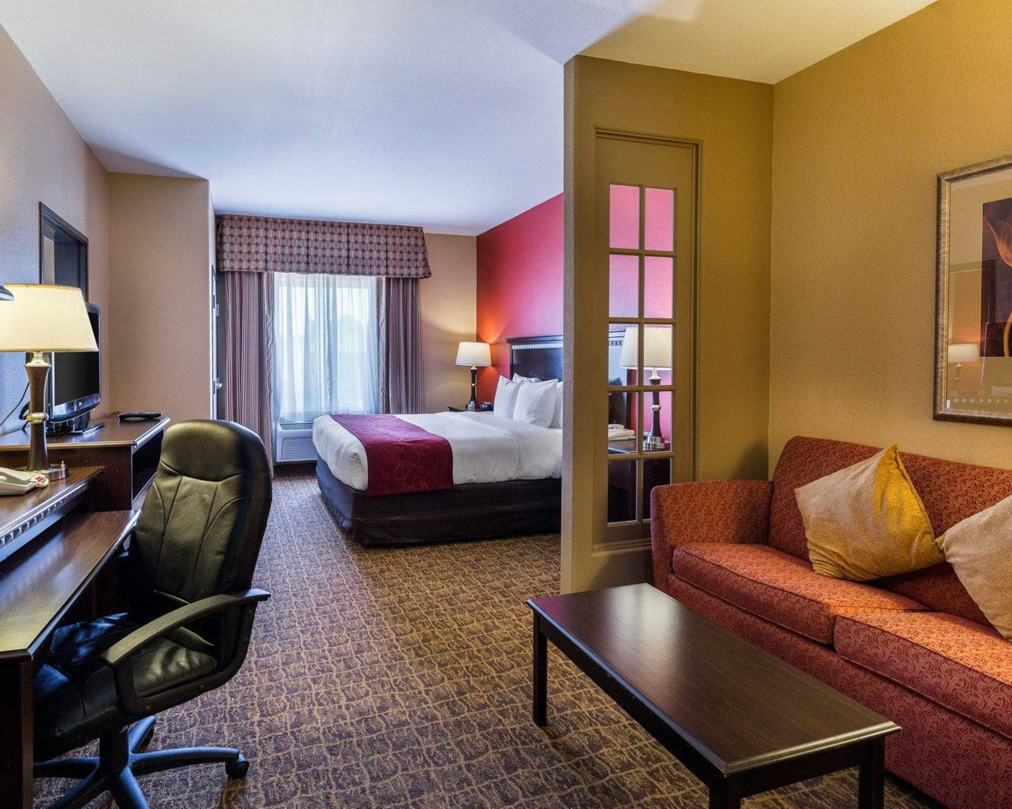 Comfort Suites Pearland - South Houston image 23