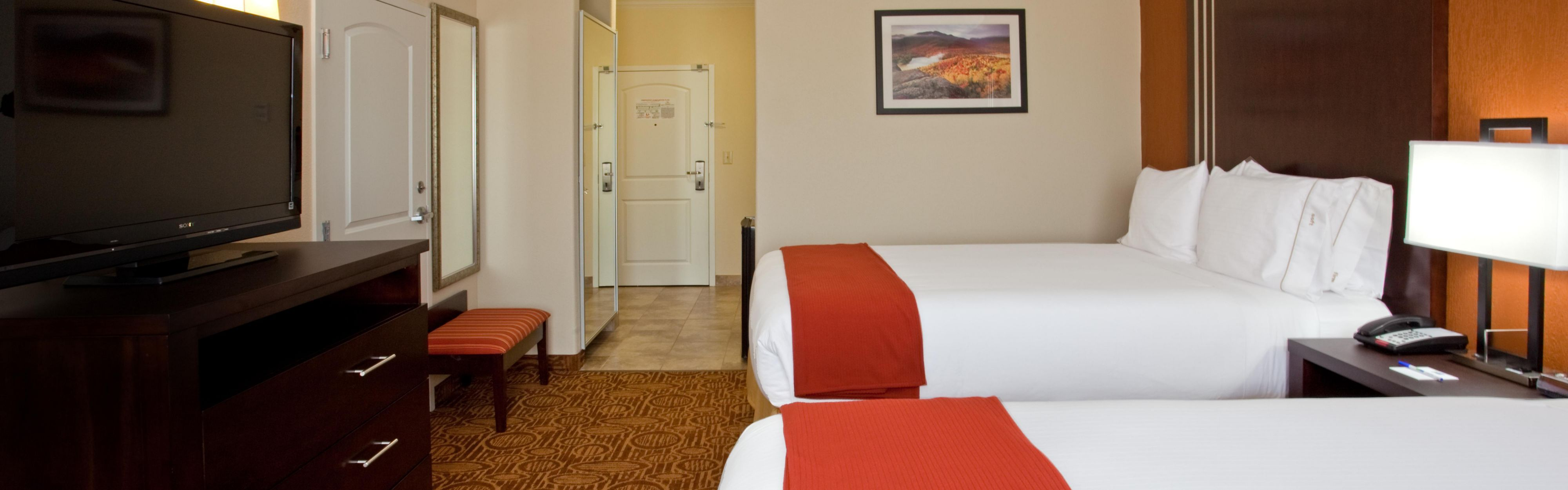 Holiday Inn Express & Suites Katy image 1