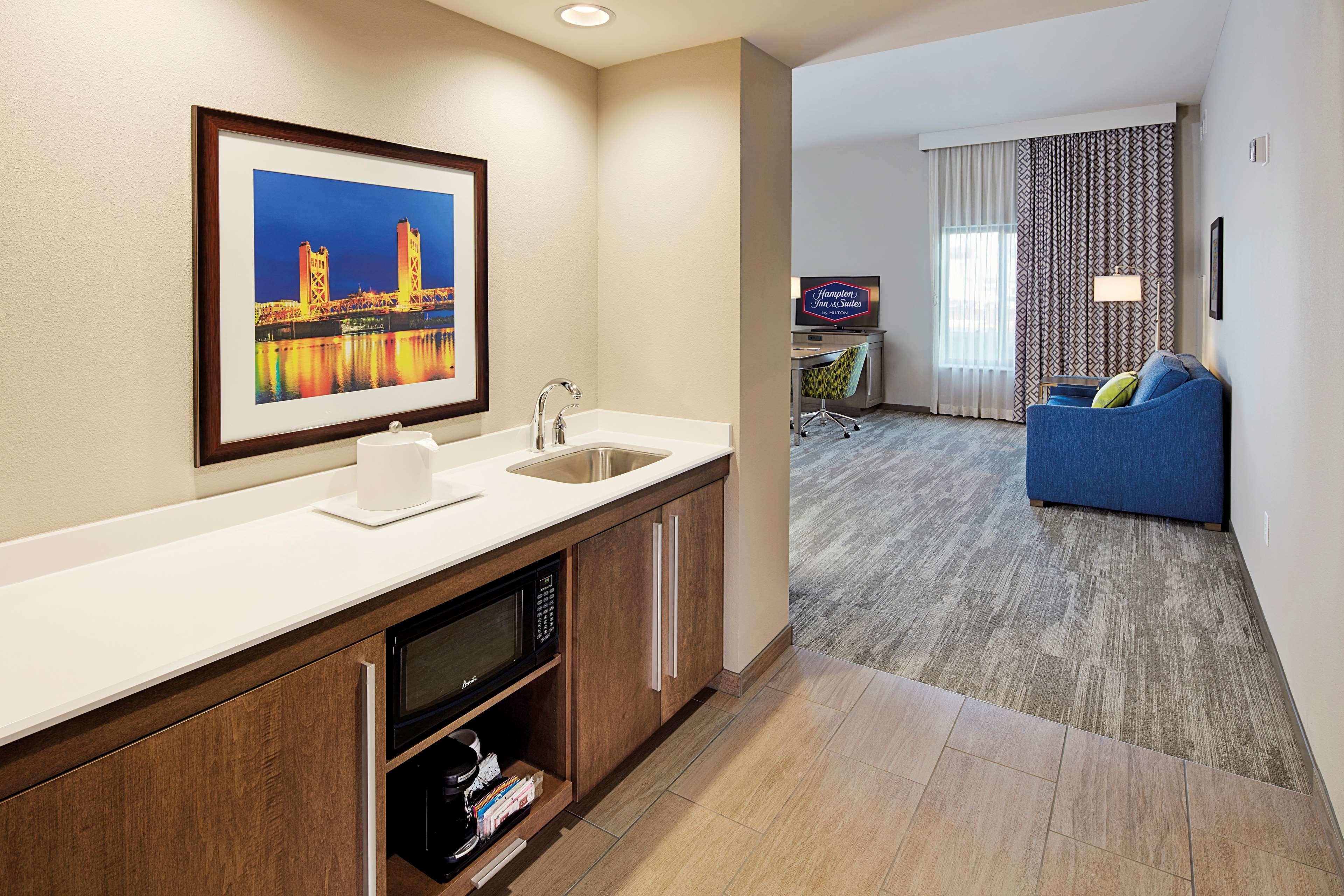 Hampton Inn & Suites Sacramento at CSUS image 23