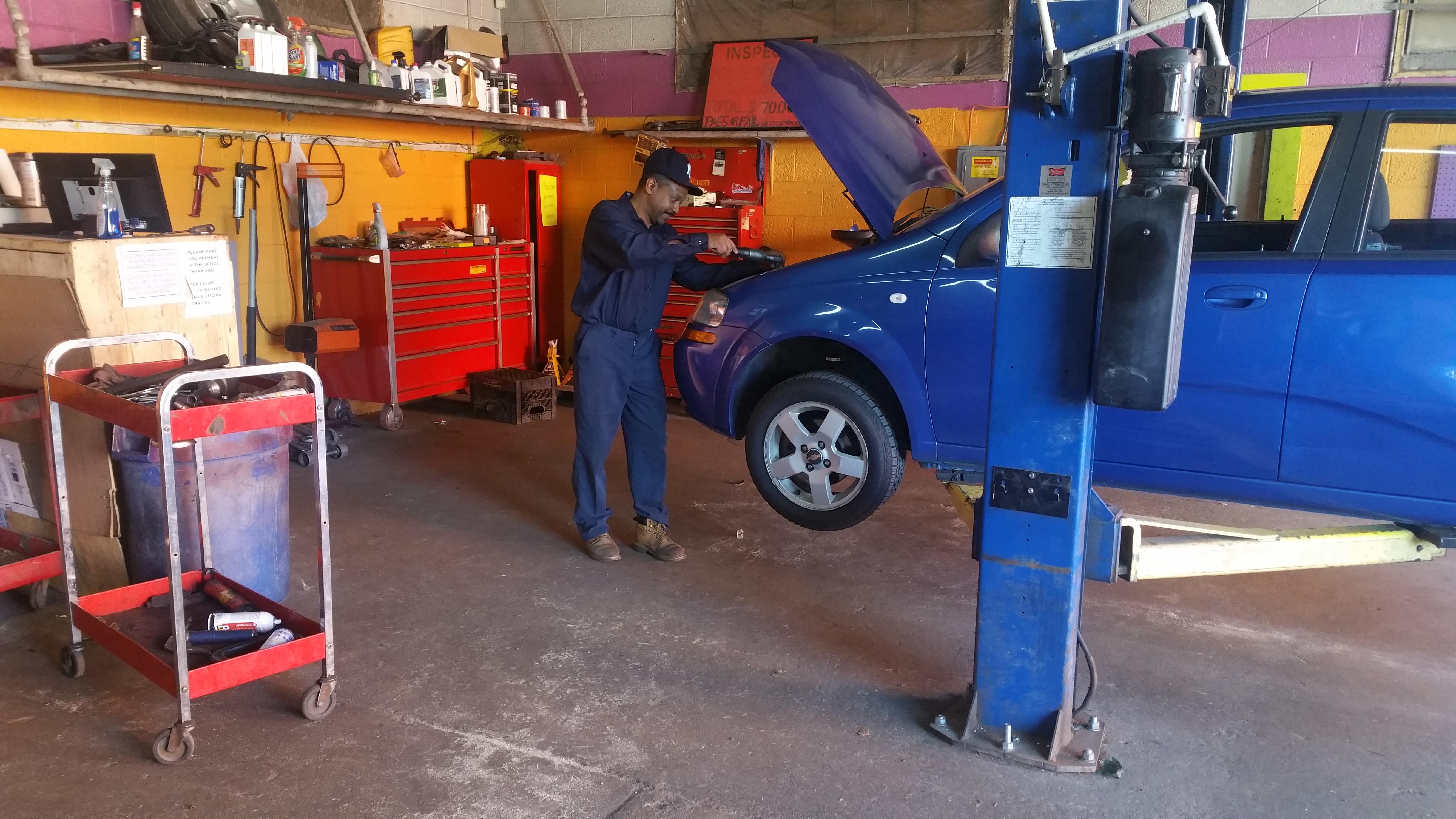 Cedar Auto Repair image 2