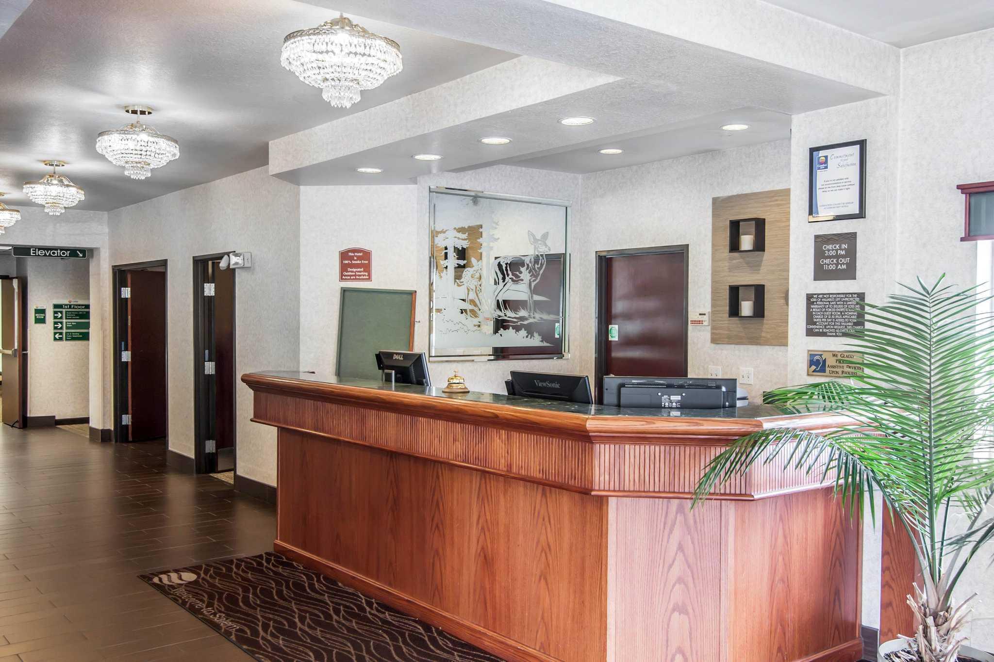 Comfort Inn & Suites image 29