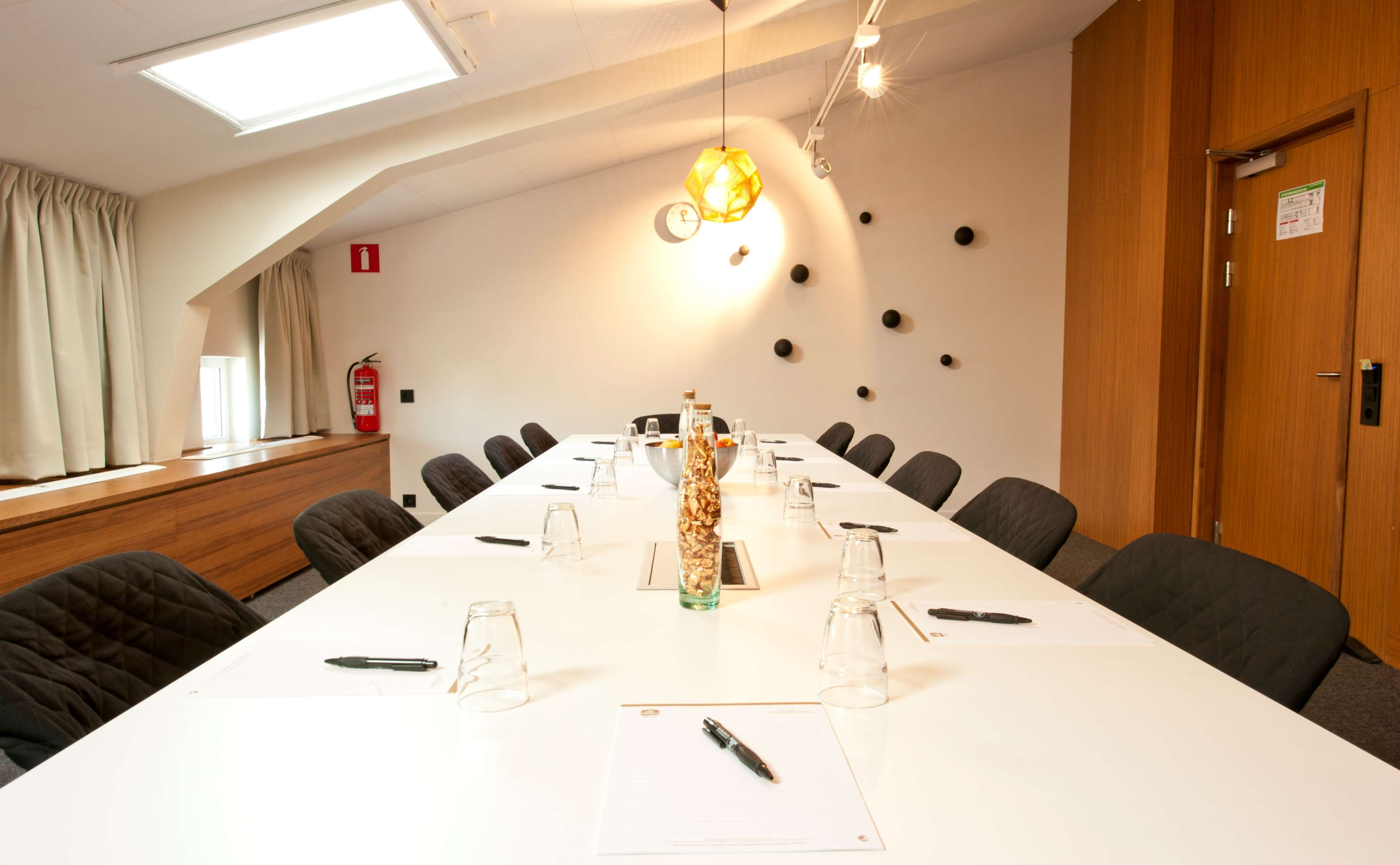 SAAB 2000 Meeting Room