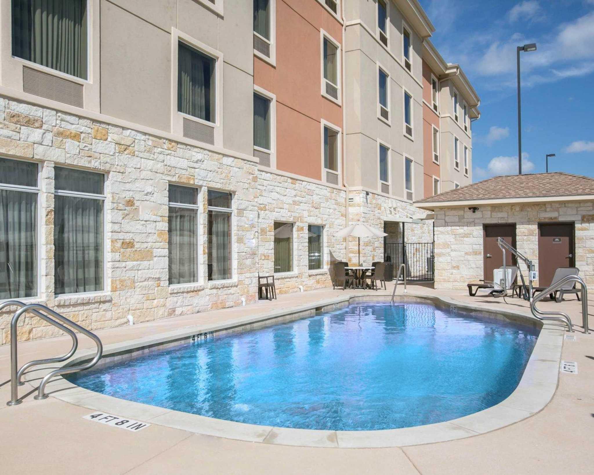 Sleep Inn & Suites Austin - Northeast image 7