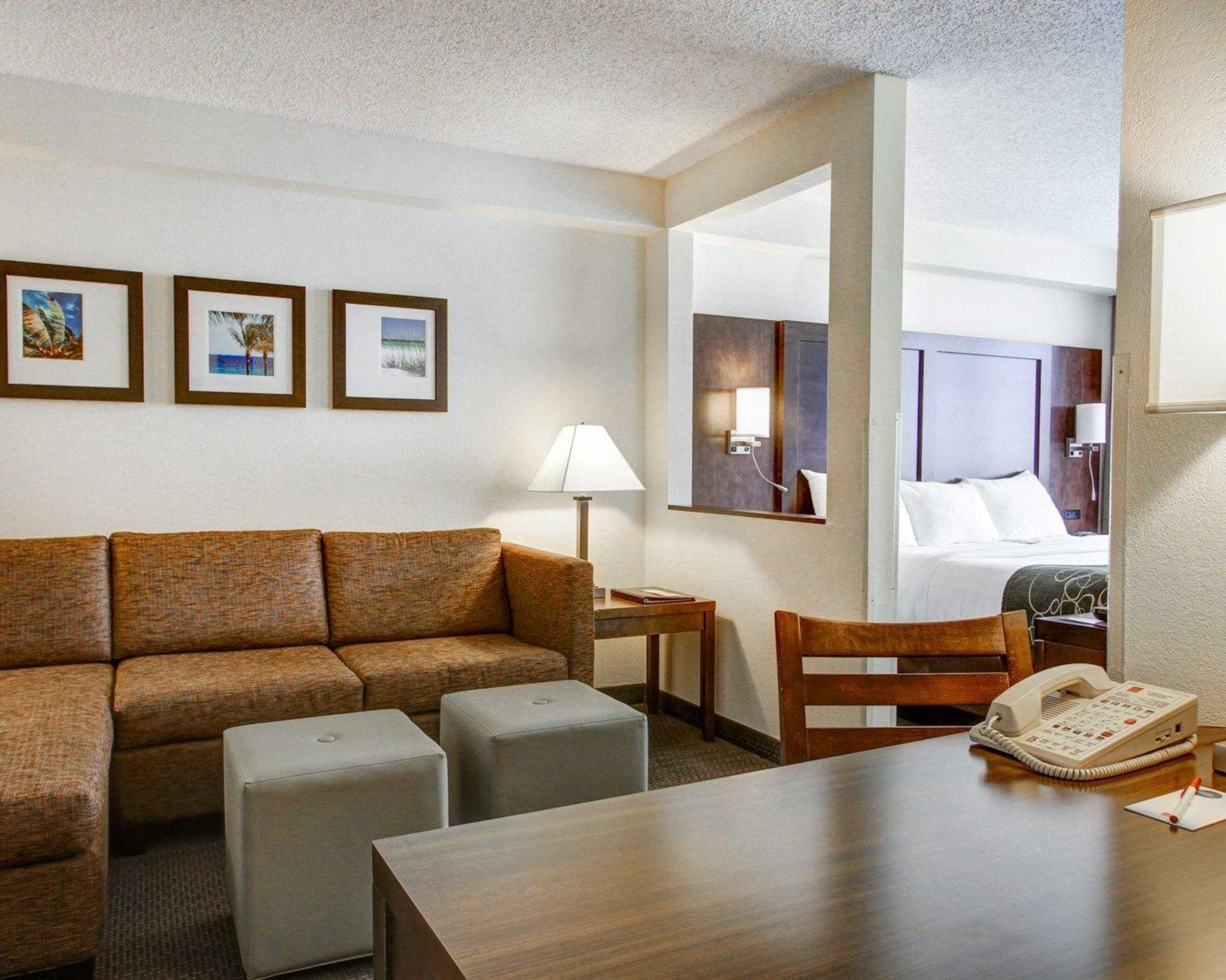 Comfort Suites Weston - Sawgrass Mills South image 26