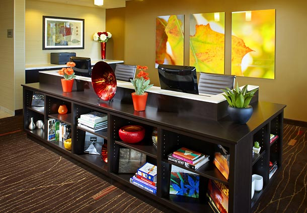 Courtyard by Marriott Pittsburgh Washington/Meadow Lands image 7