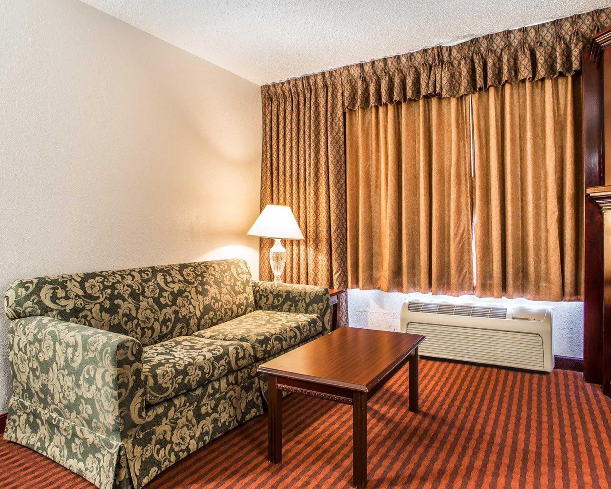 Clarion Hotel Highlander Conference Center image 23