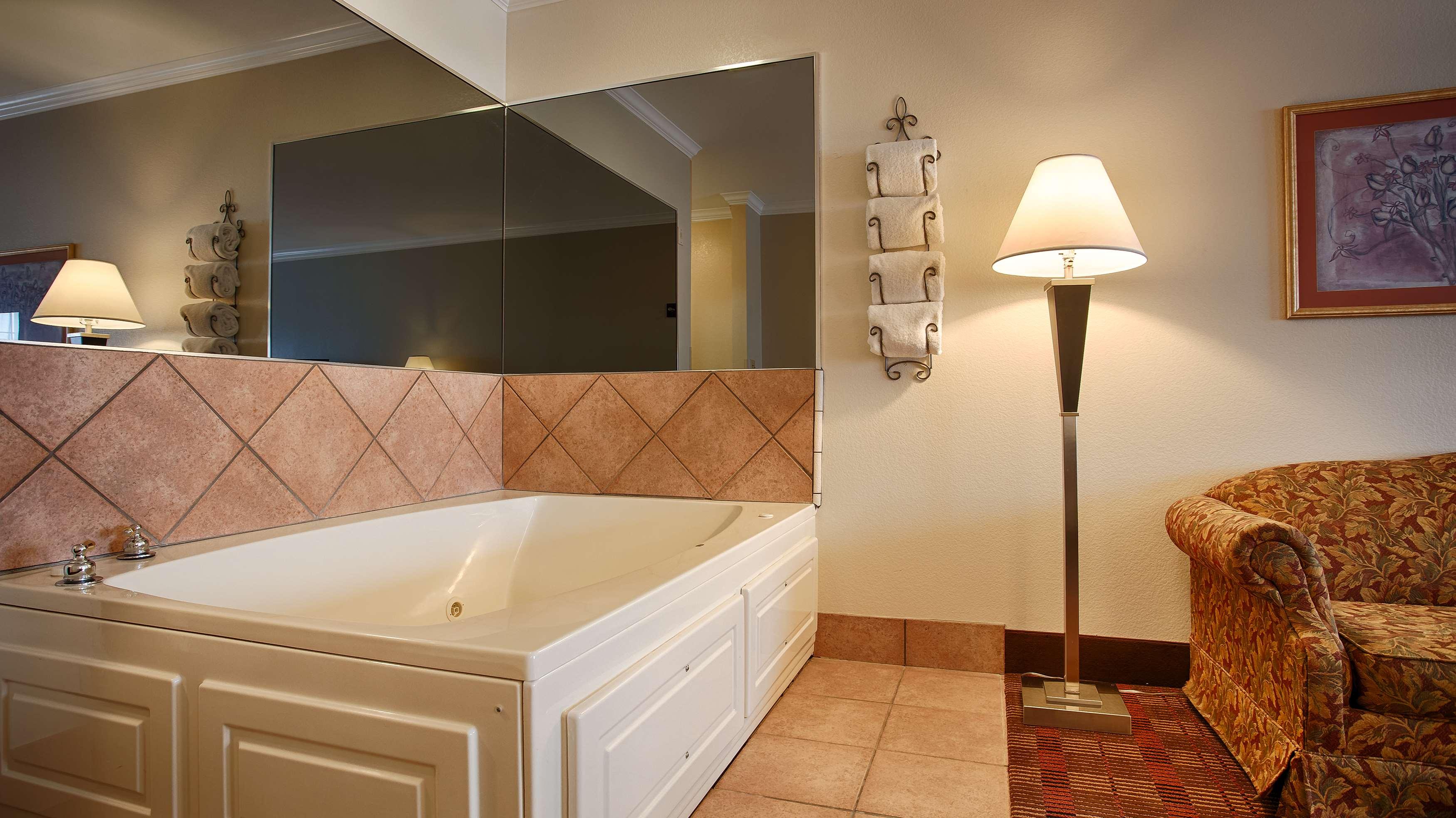 Best Western Club House Inn & Suites image 6