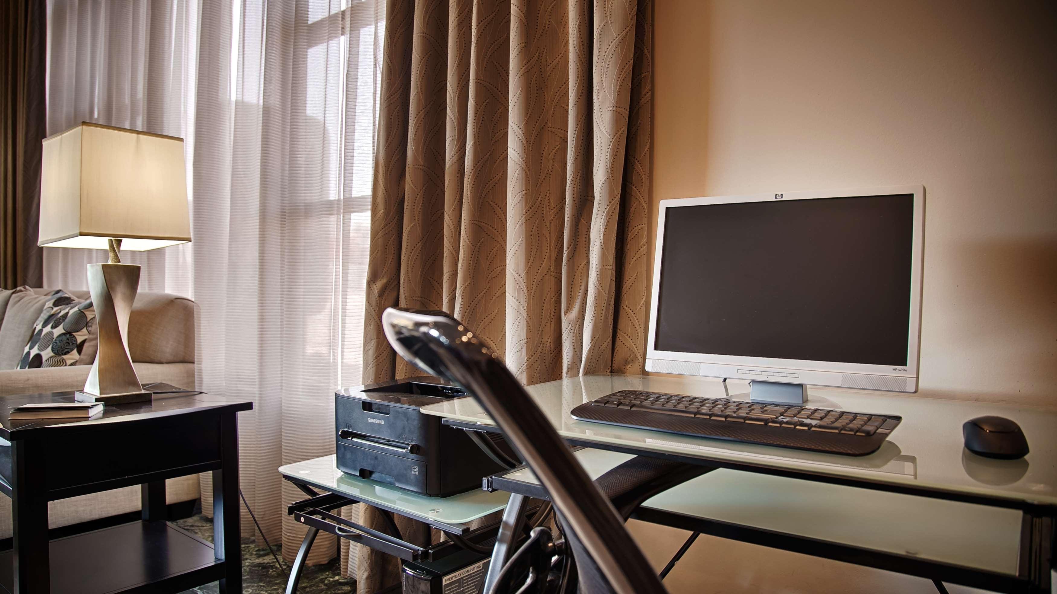 Best Western Pasadena Royale Inn & Suites image 10