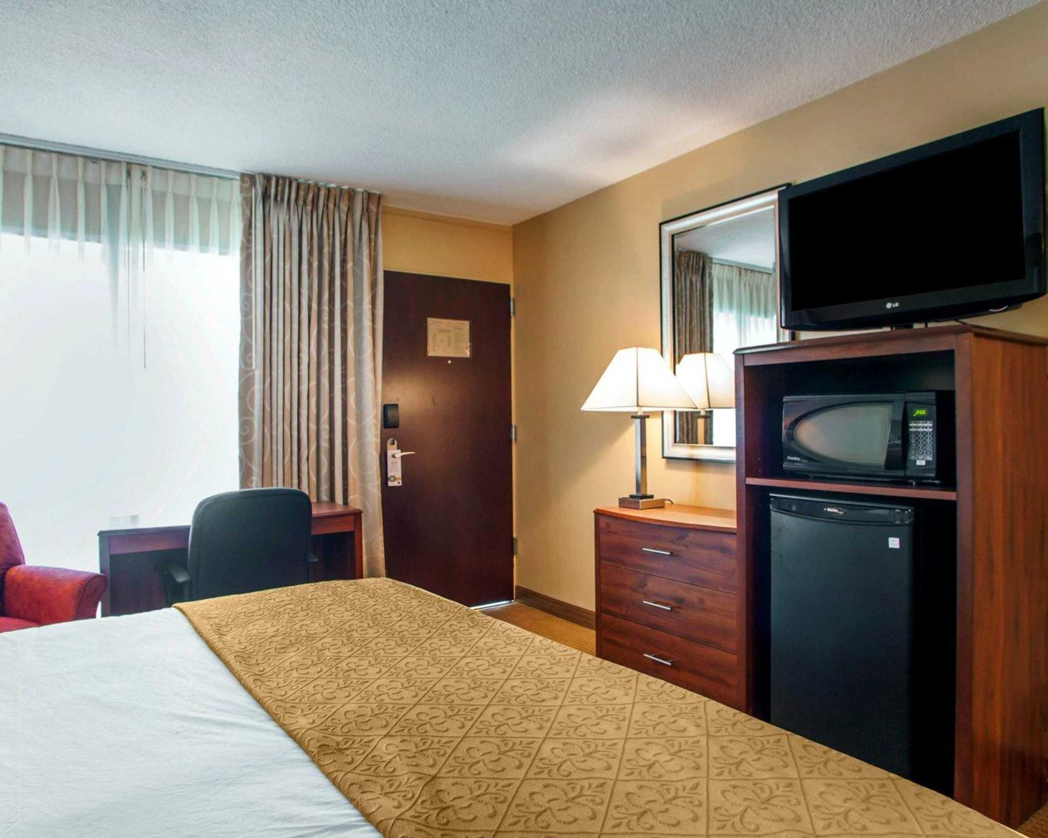 Quality Inn Meadowlands image 9