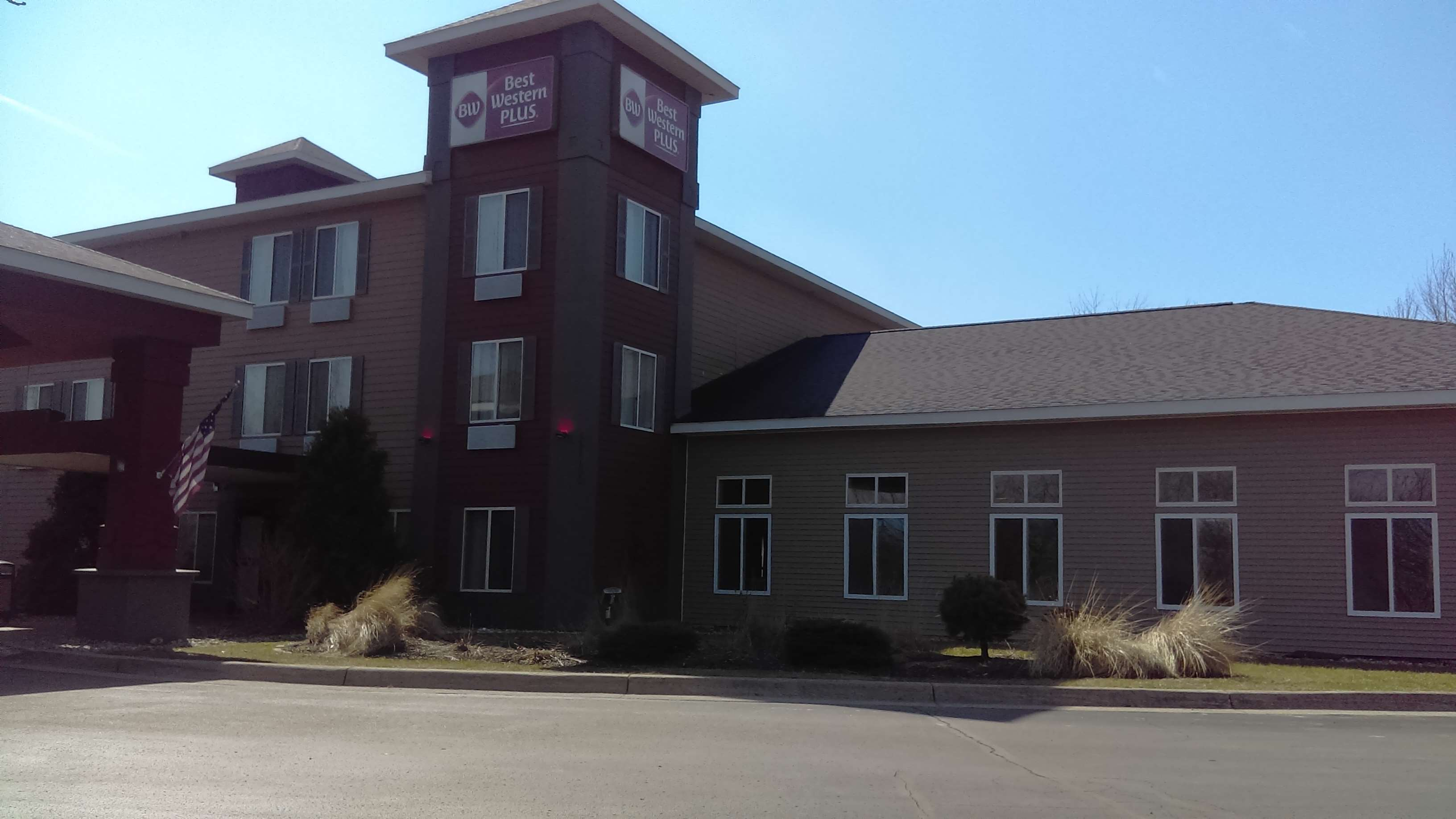 Best Western Plus Coldwater Hotel image 2