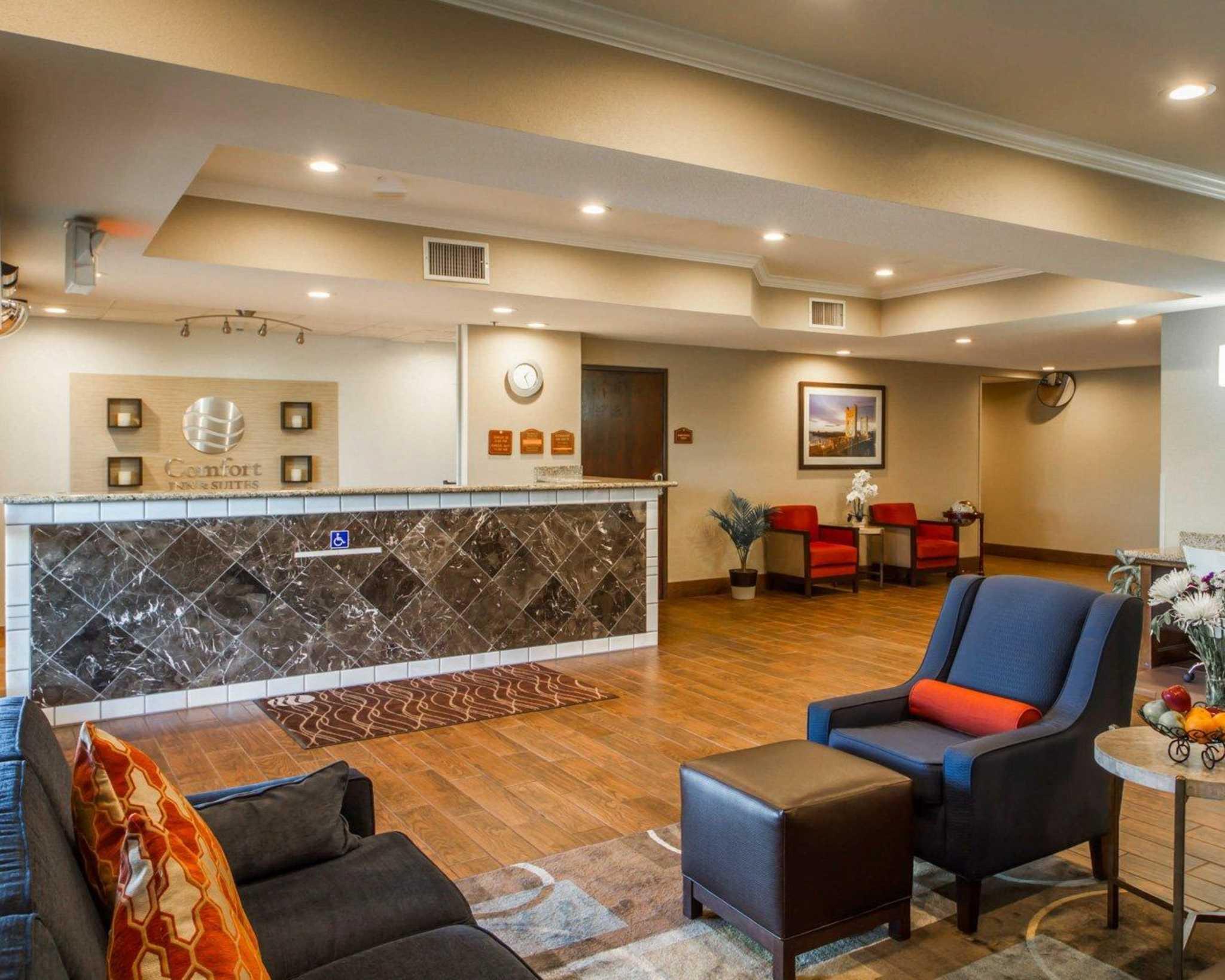 Comfort Inn & Suites Sacramento - University Area image 7
