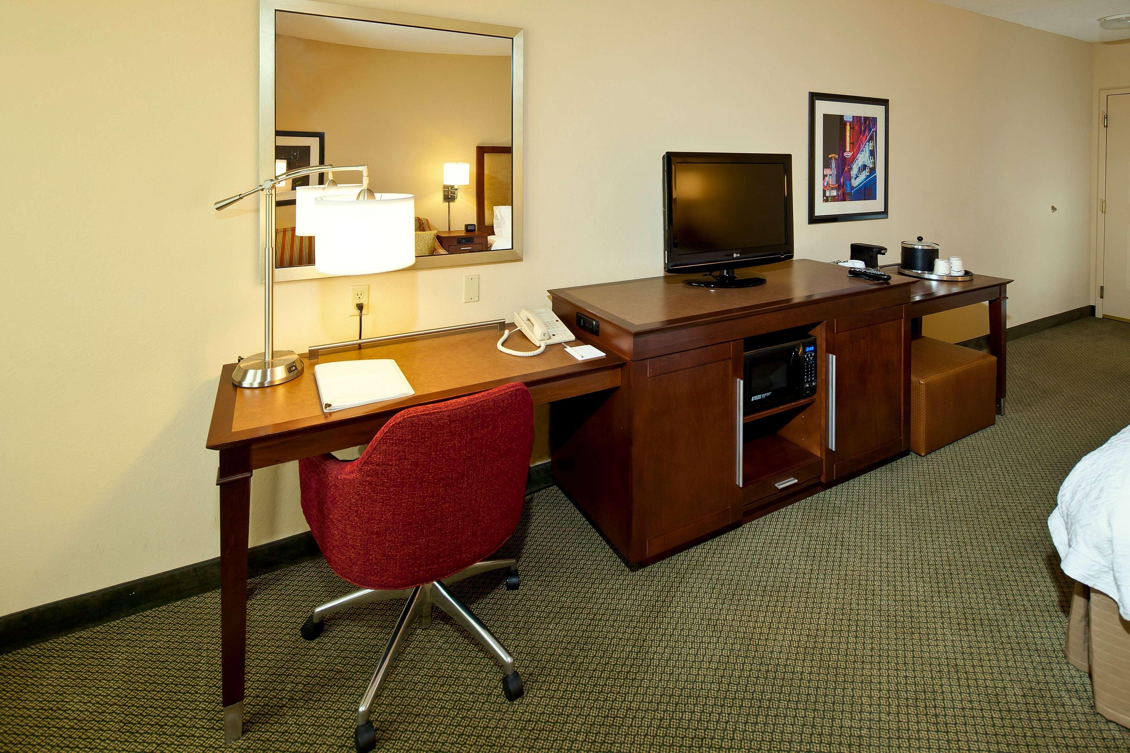 Hampton Inn & Suites Nashville-Green Hills image 17