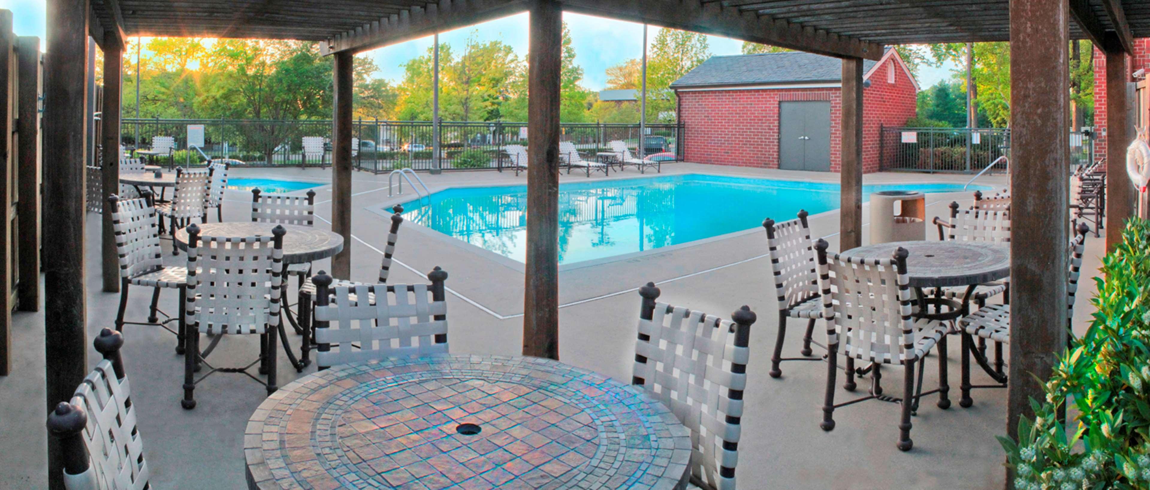 Hampton Inn & Suites Nashville-Green Hills image 6
