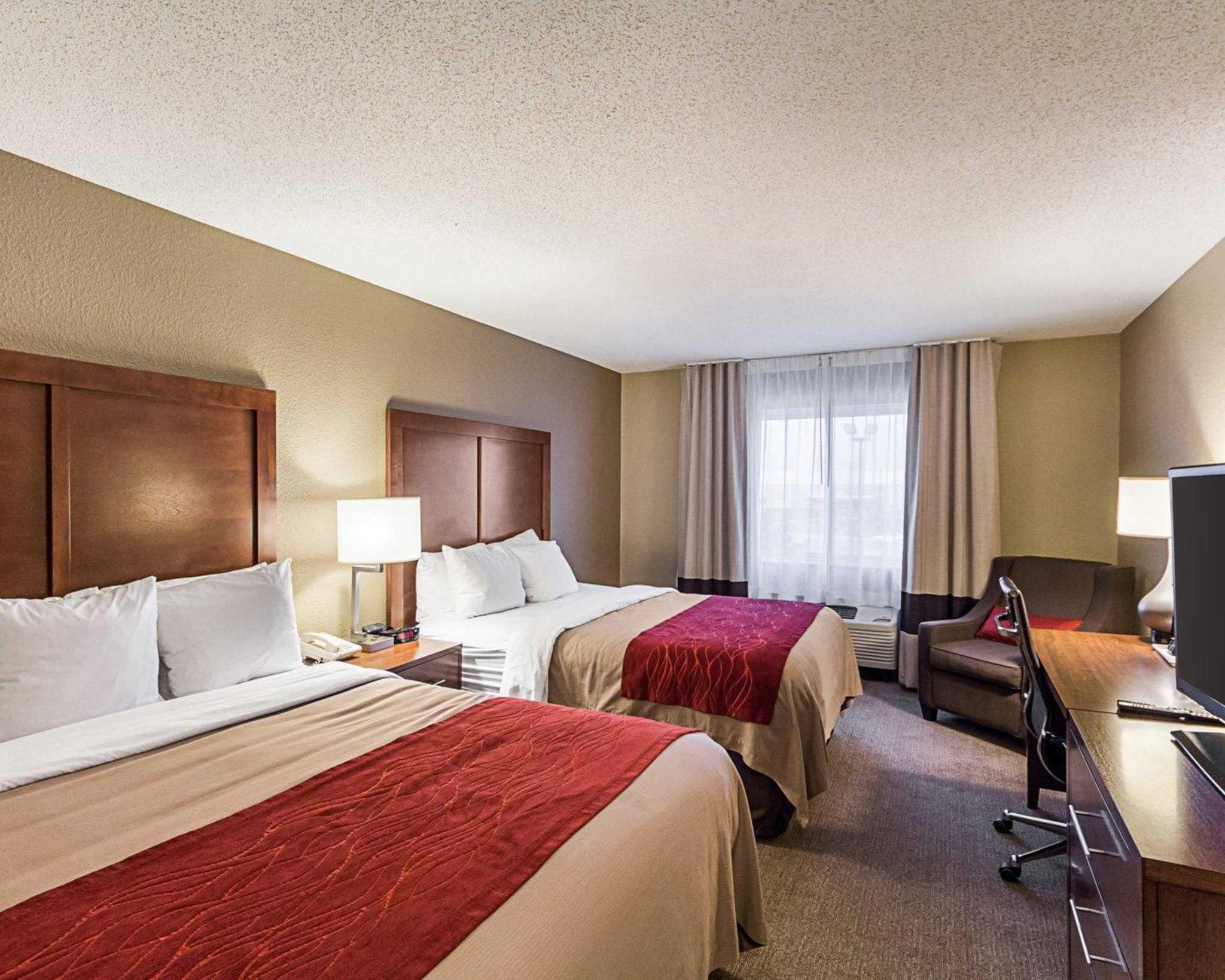 Comfort Inn East image 6