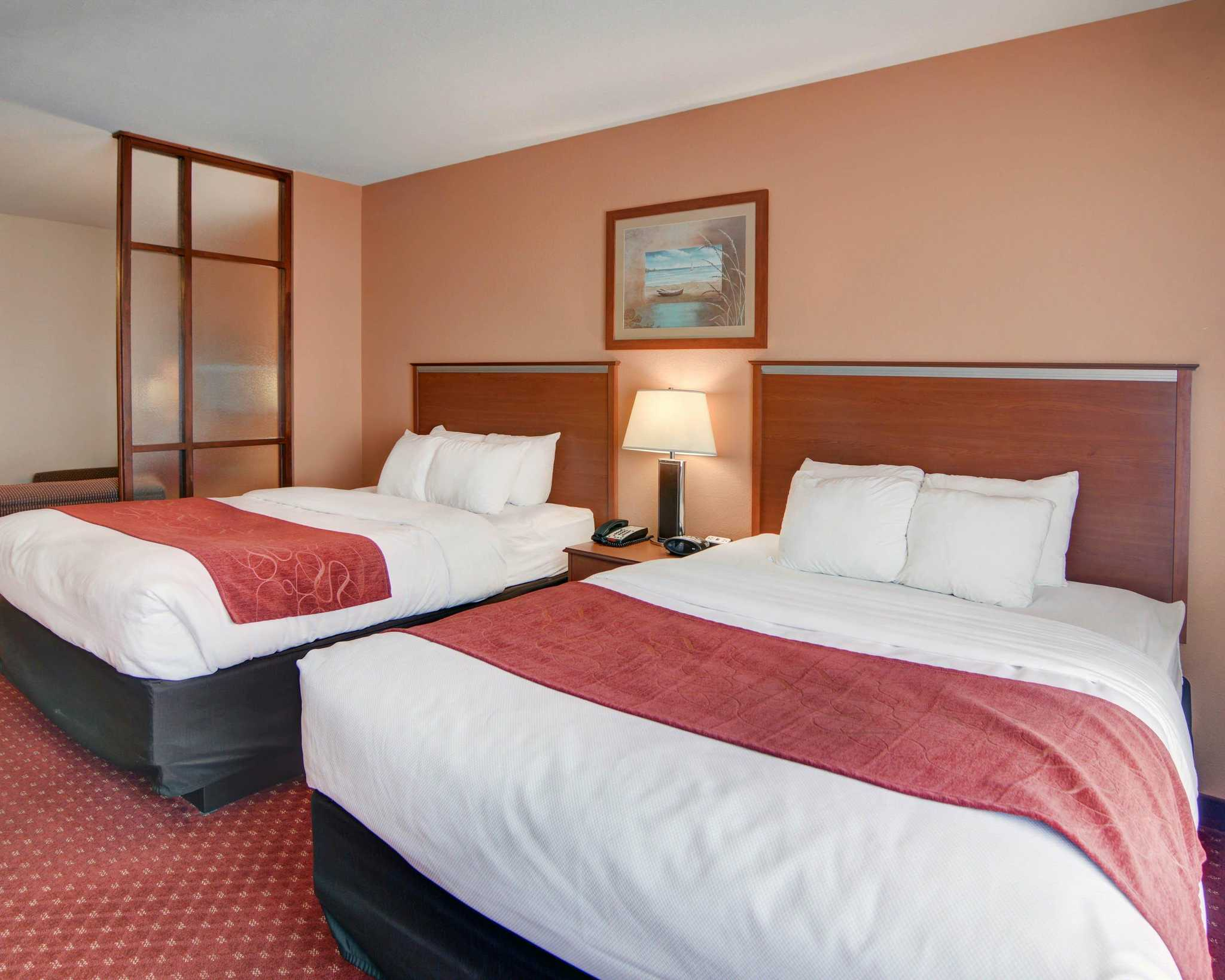 Comfort Suites Near Cedar Creek Lake image 31