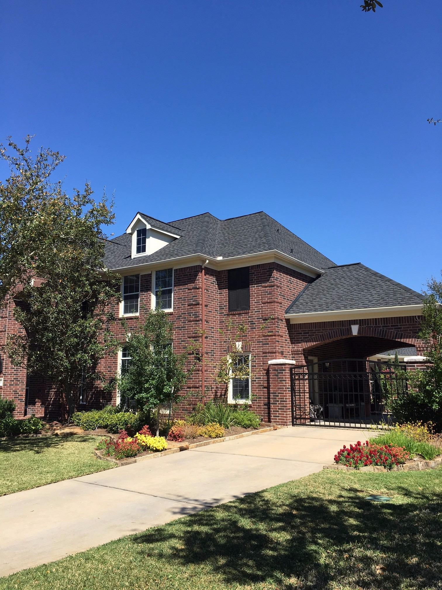 Houston Roofing & Construction image 9