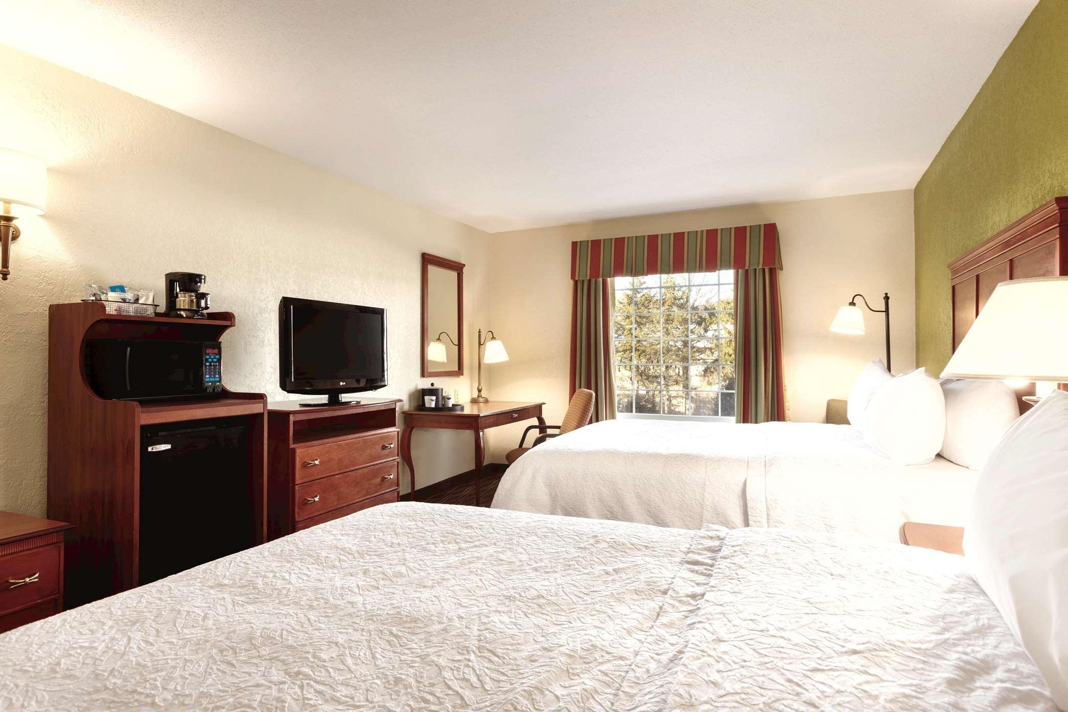 Hampton Inn & Suites Greenfield image 37