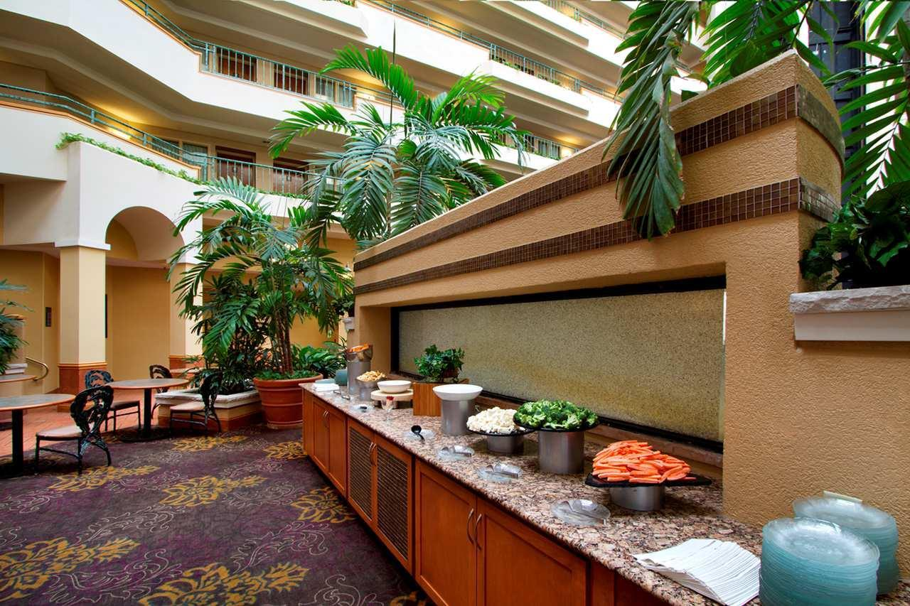 Embassy Suites by Hilton Greensboro Airport image 2