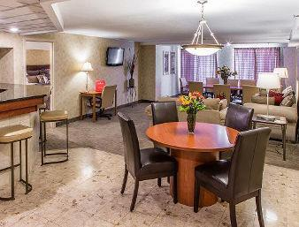 Ramada Toledo Hotel and Conference Center image 12