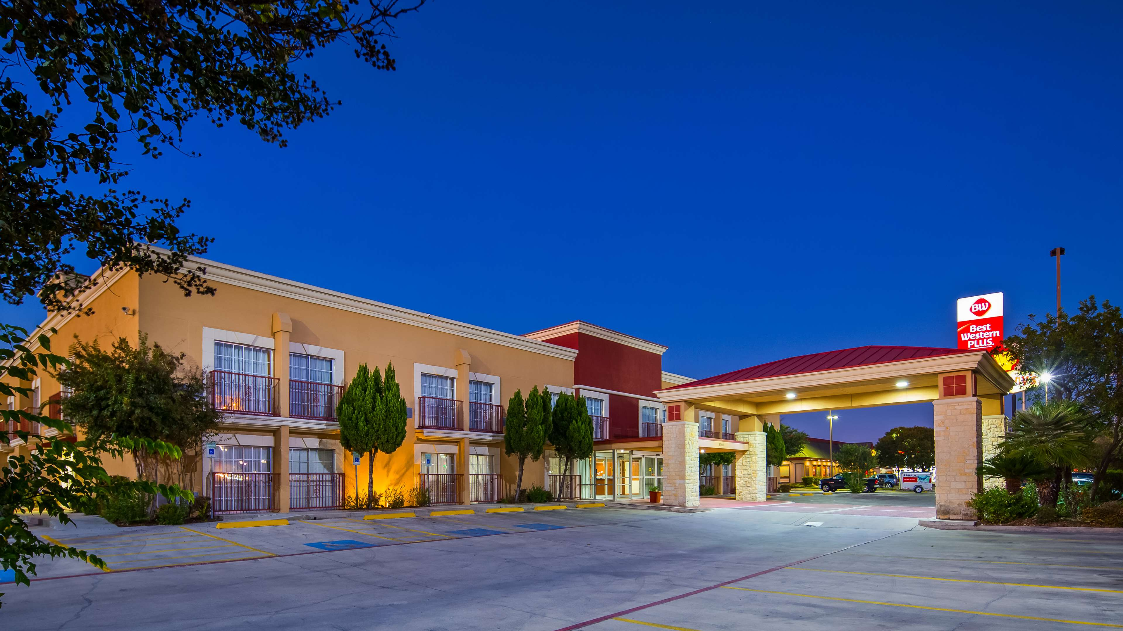 Best Western Plus Atrium Inn image 0
