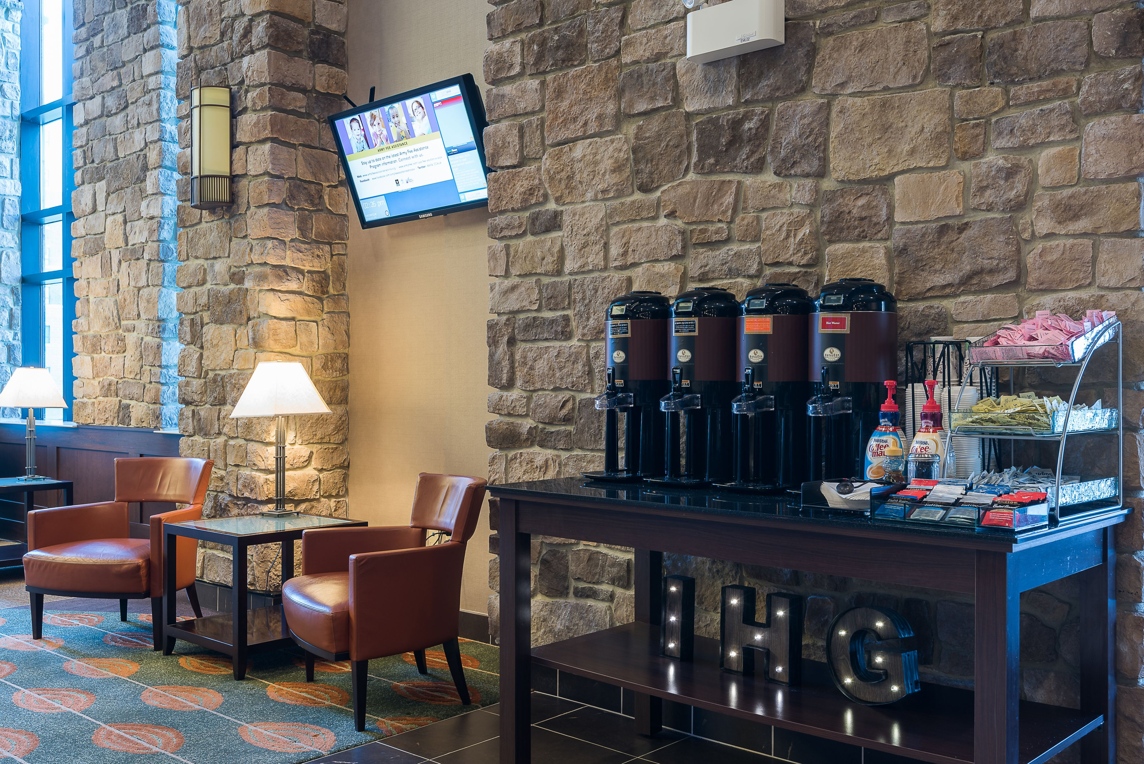 IHG Army Hotels Fort Lee Lodge image 3